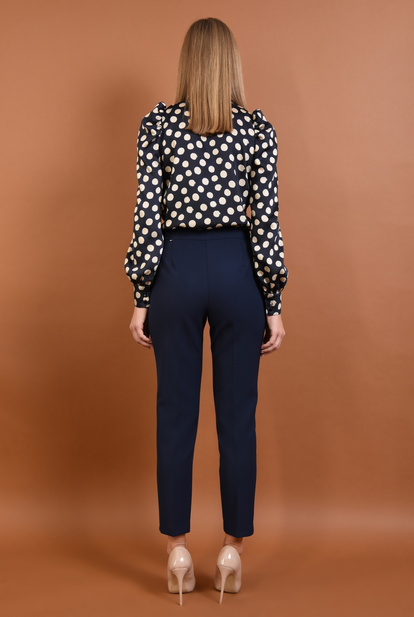 1 - pantaloni conici, talie medie, bleumarin, buzunare