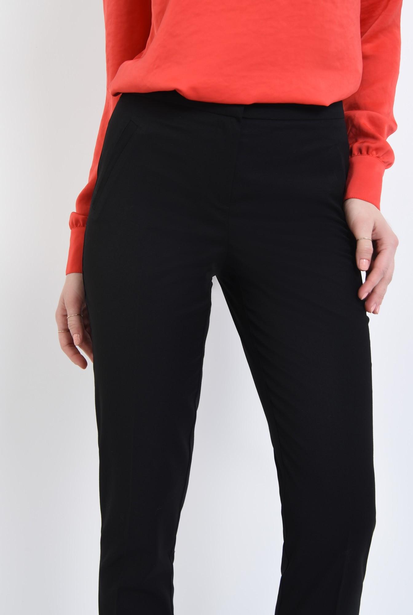 2 - Pantaloni conici, negru