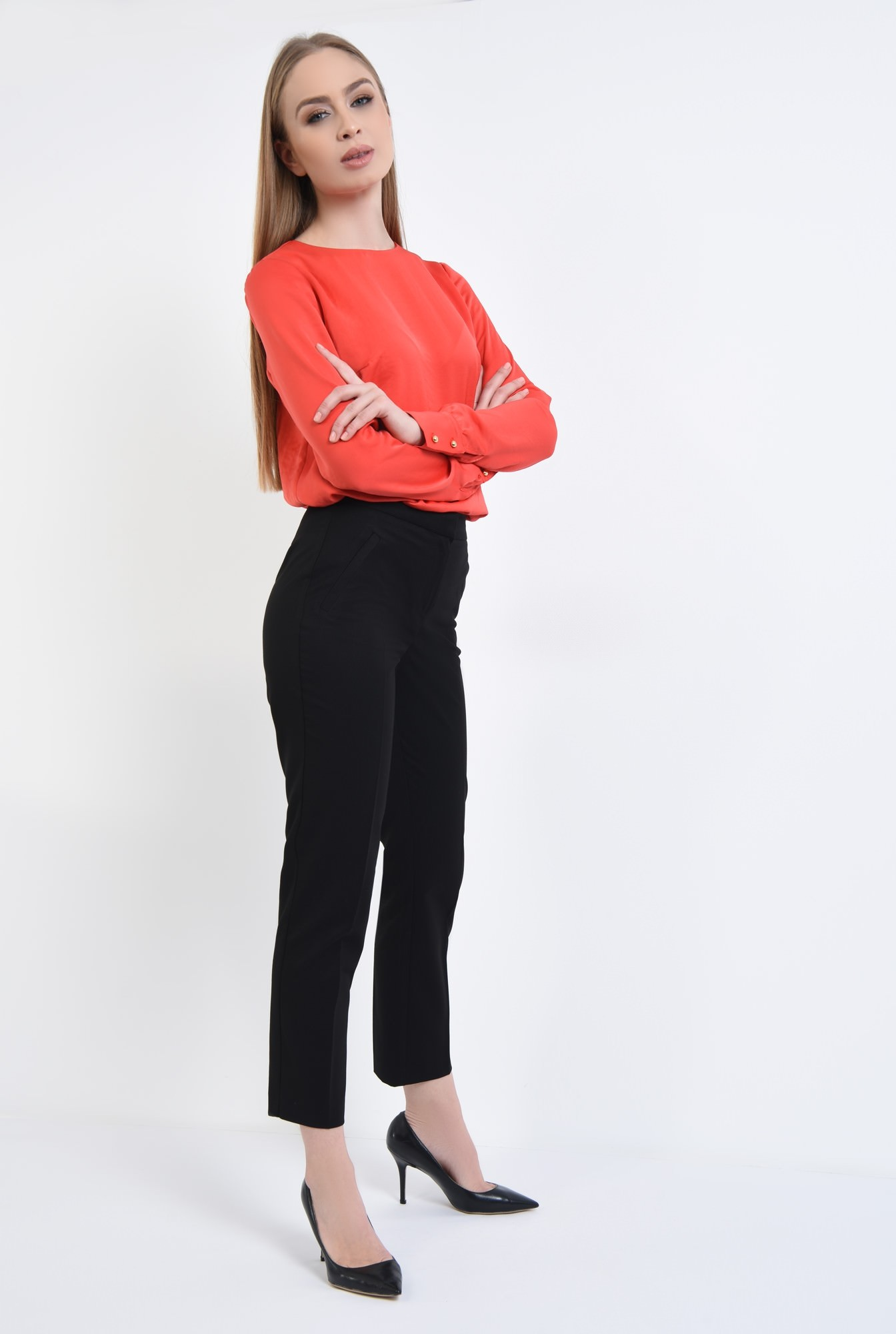 3 - Pantaloni conici, negru