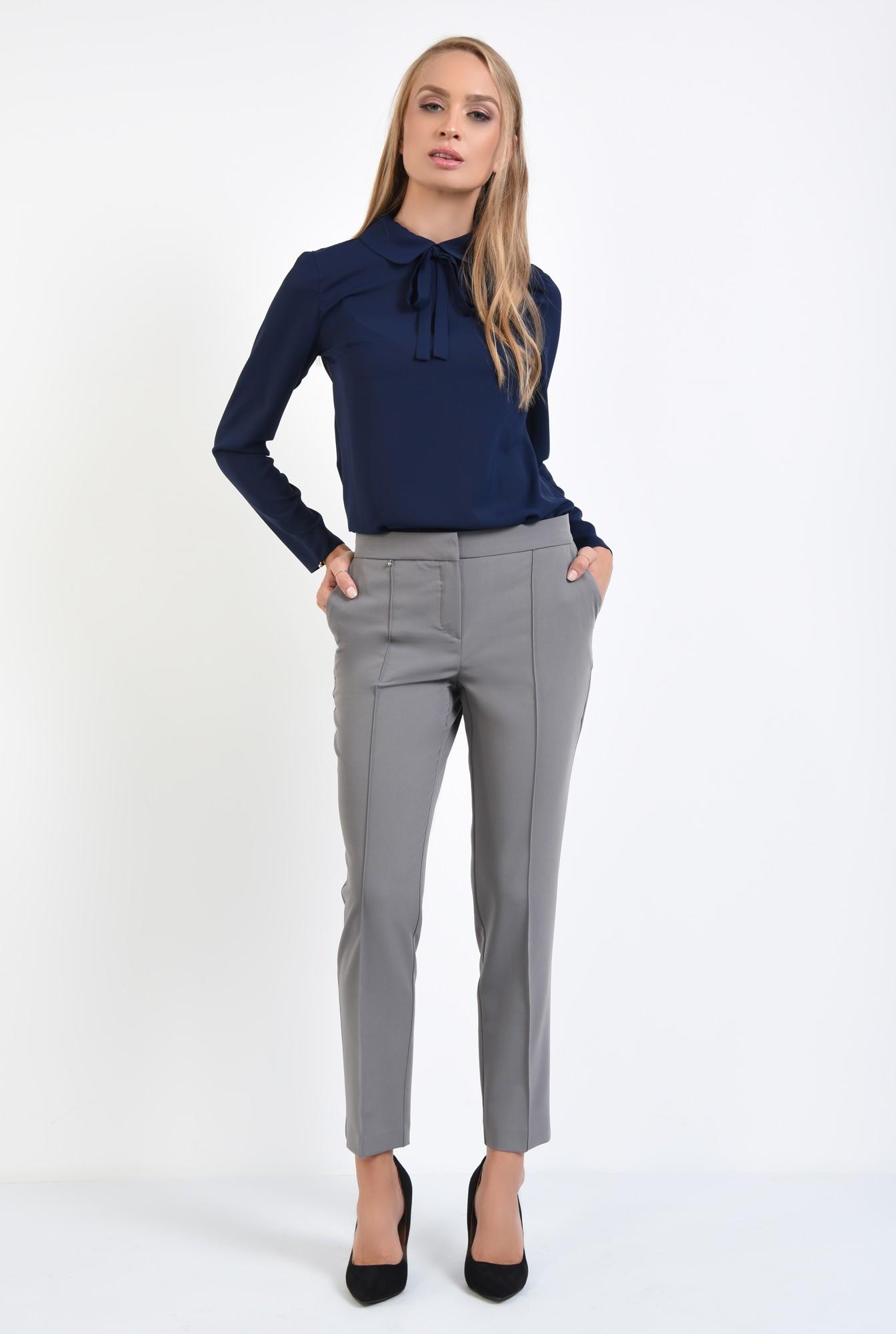 3 - pantaloni casual. clasici, cu buzunare functionale
