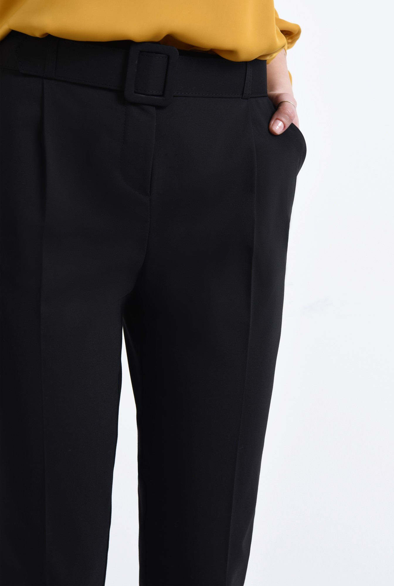 2 - Pantaloni casual, negru