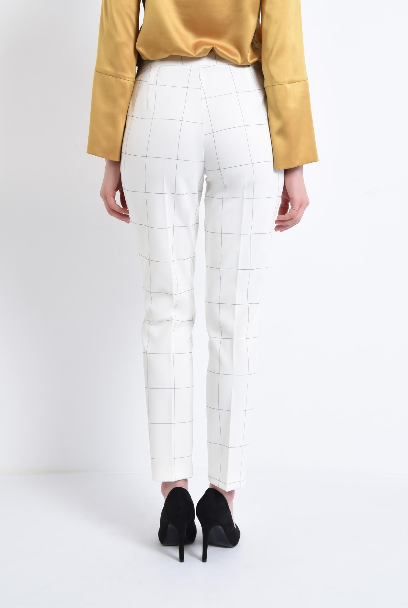 1 - Pantaloni conici, talie medie