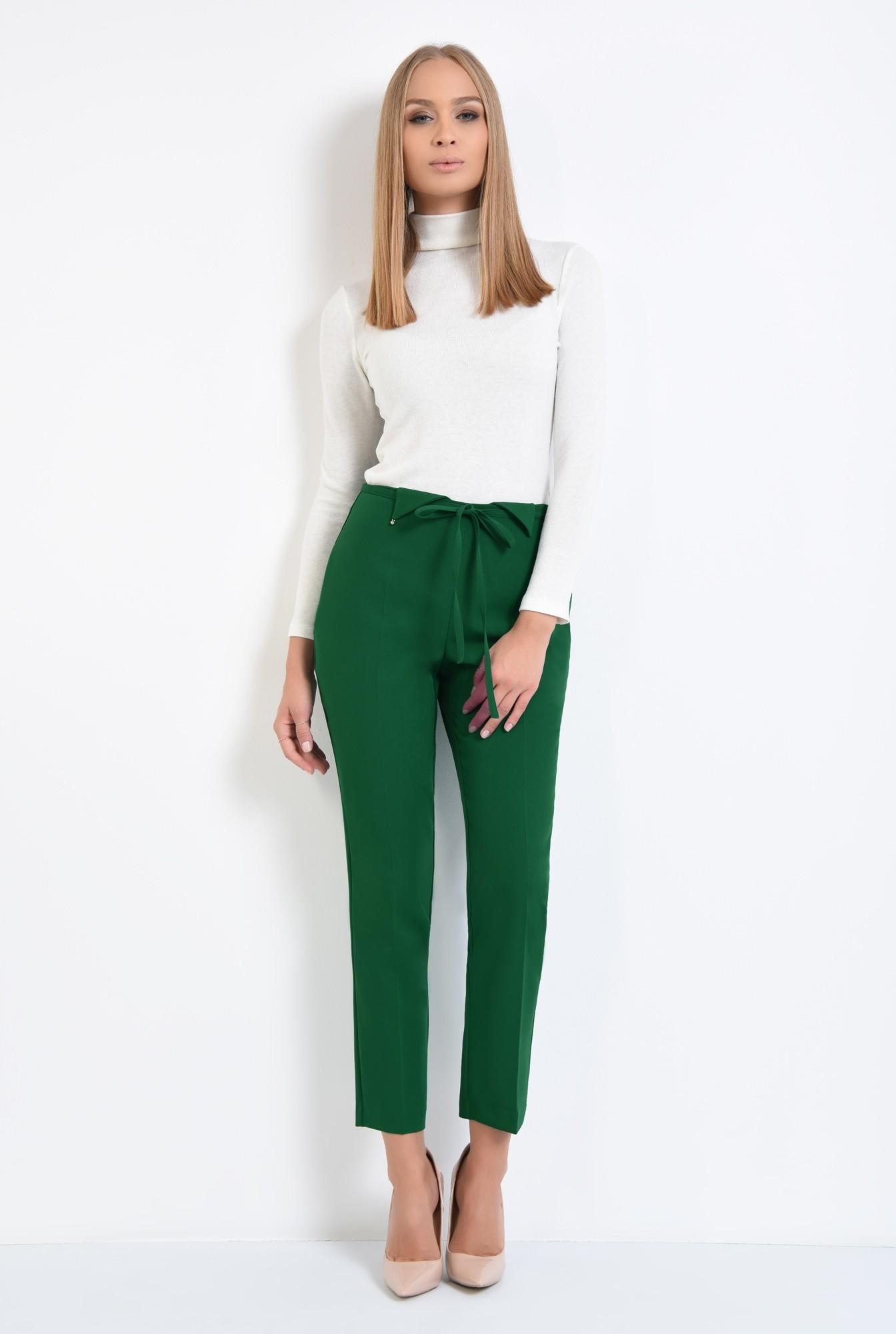3 - pantaloni de zi, croi conic, la dunga, talie fara betelie