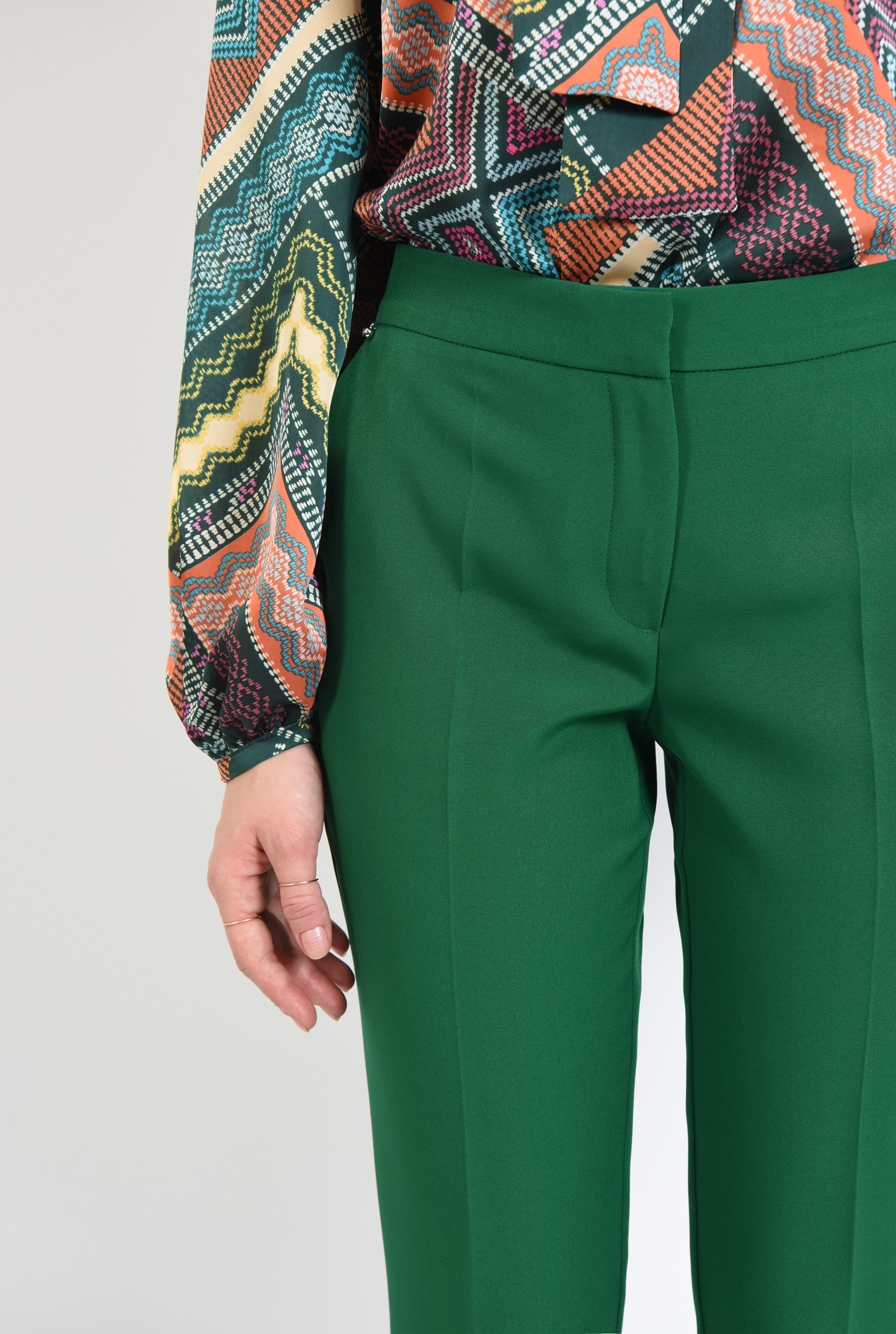 2 - 360 - pantaloni casual, croi conic, betelie, la dunga