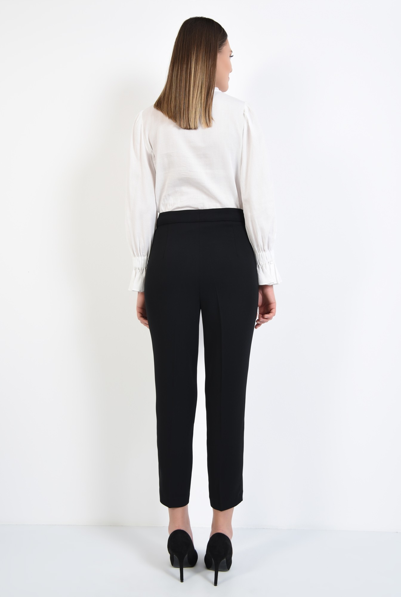 1 - pantaloni negri, creion, talie cu betelie, buzunare in cusatura
