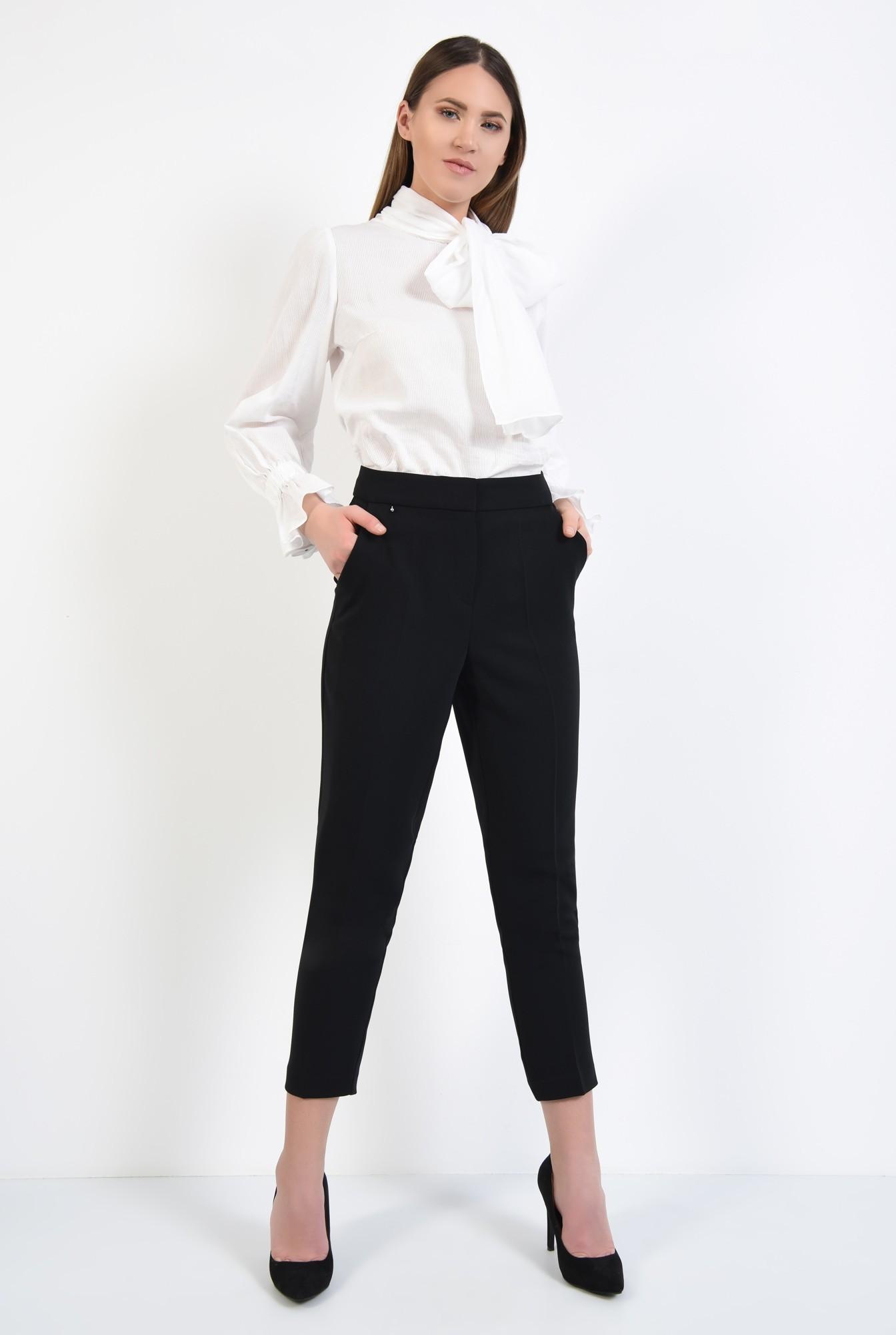 3 - pantaloni negri, creion, talie cu betelie, buzunare in cusatura