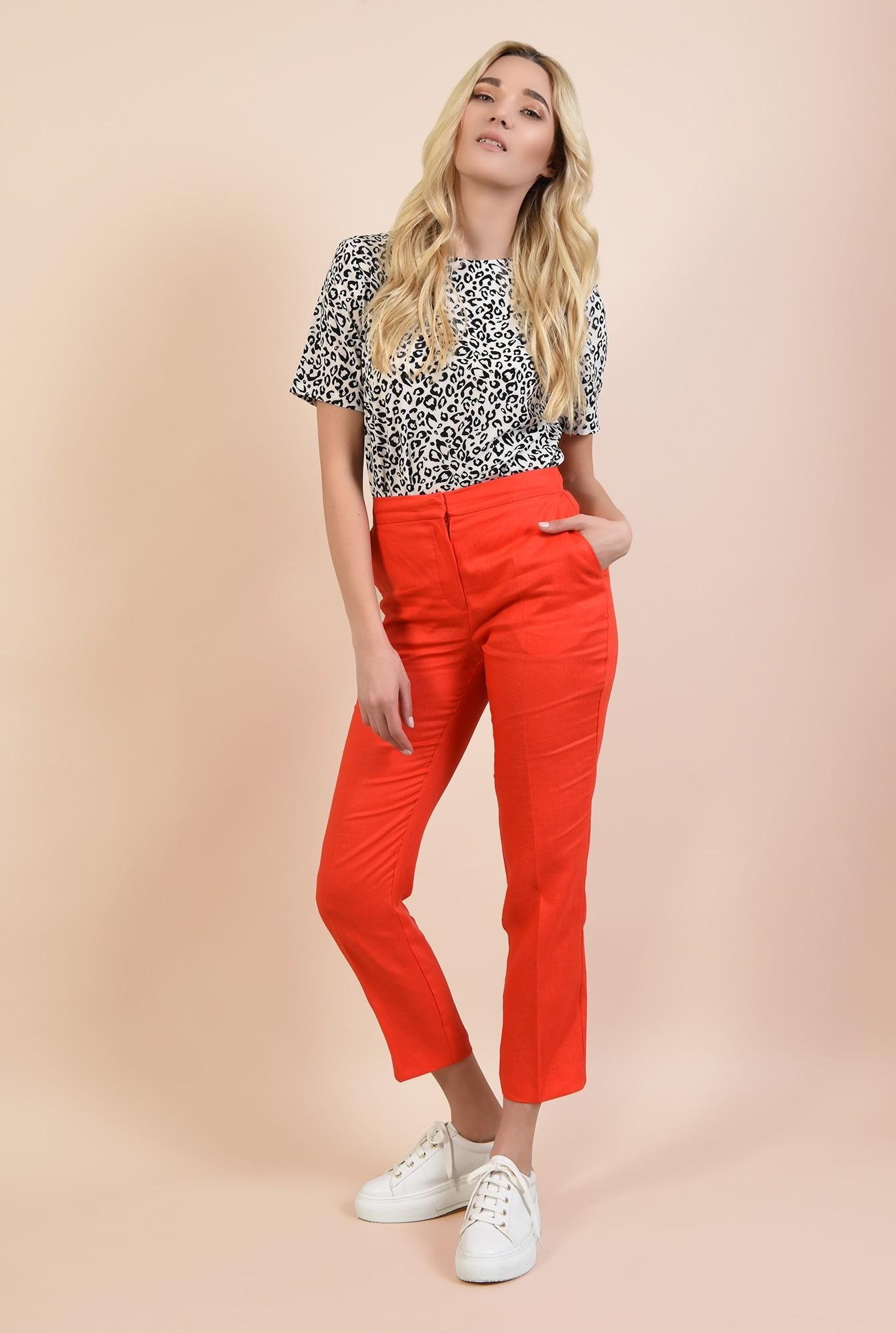 3 - 360 - pantaloni rosii, conici, cu buzunare, cu betelie