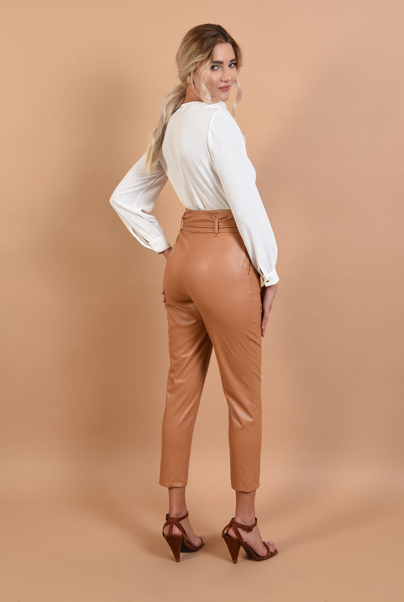 1 - pantaloni tigareta, betelie lata, capse, cusatura pe mijloc