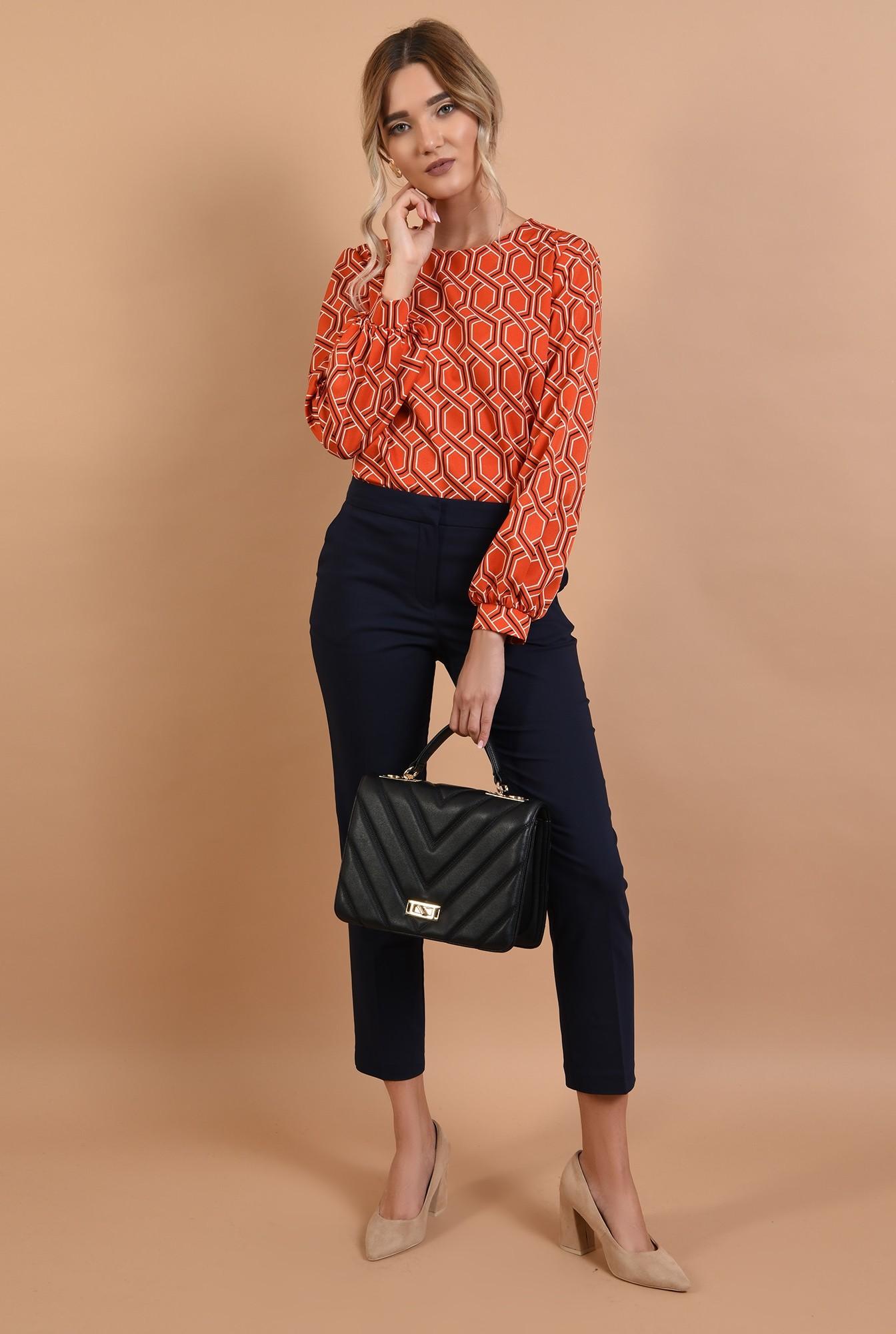 3 - pantaloni bleumarin, conici, cu buzunare, talie medie
