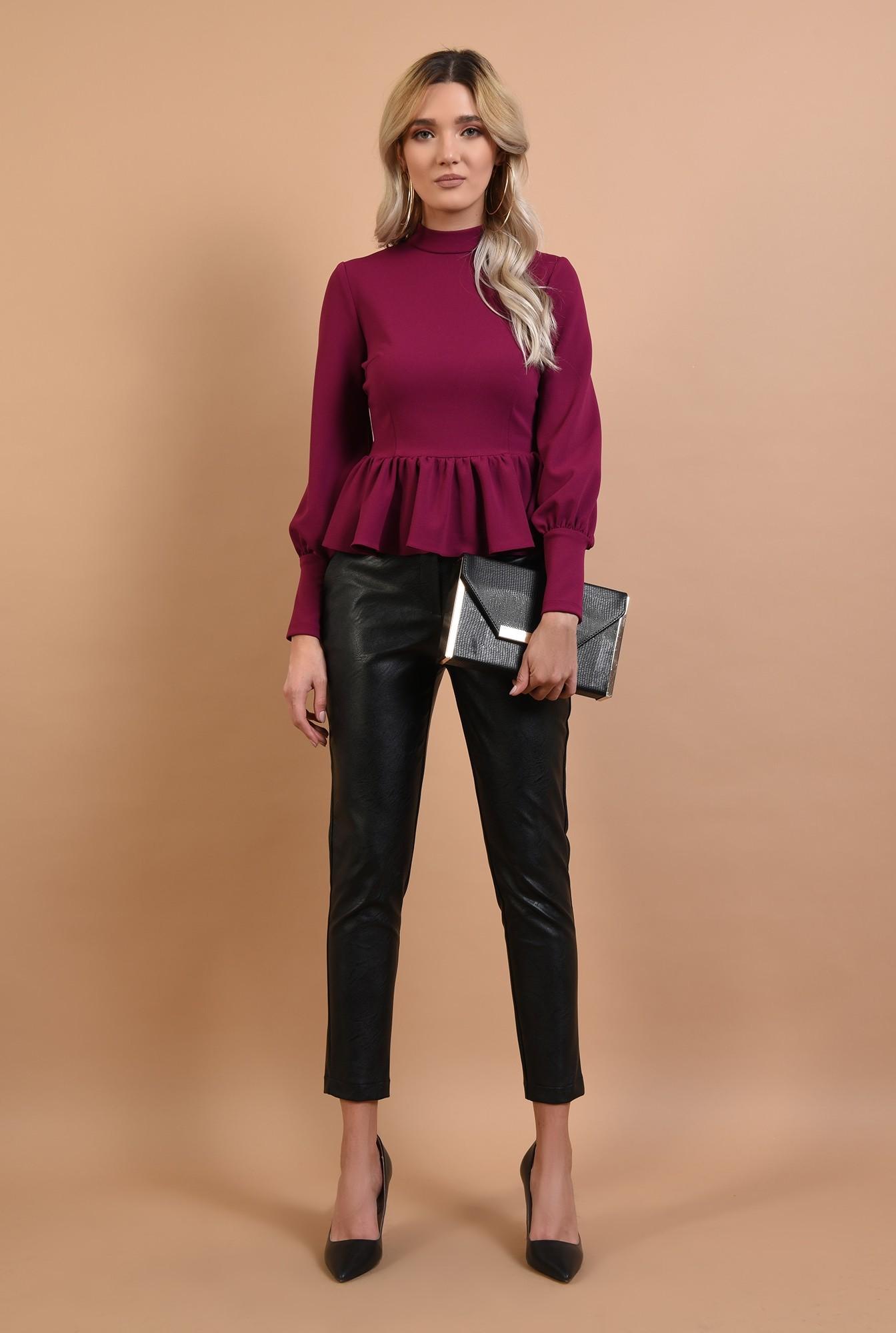 3 - pantaloni negri, lungi, croi conic, talie medie
