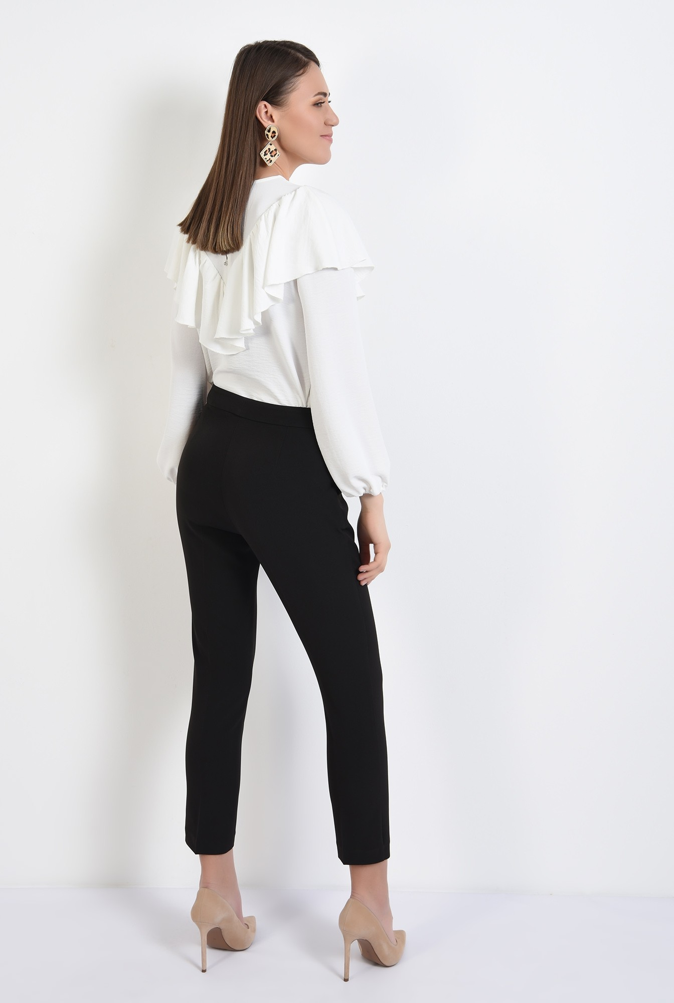 1 - 360 - pantaloni negri, conici, talie medie, buzunare, croi tigareta