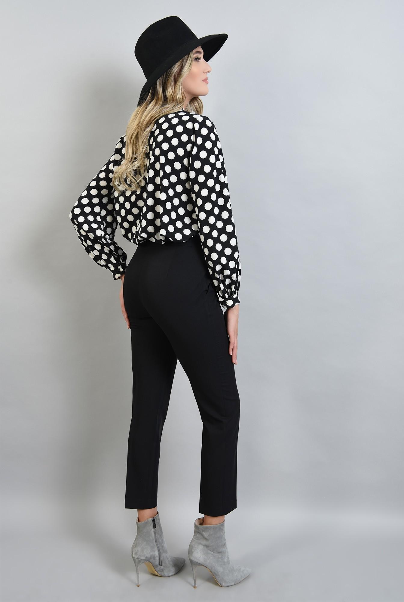 1 - 360 - pantaloni negri, conici, cu buzunare laterale