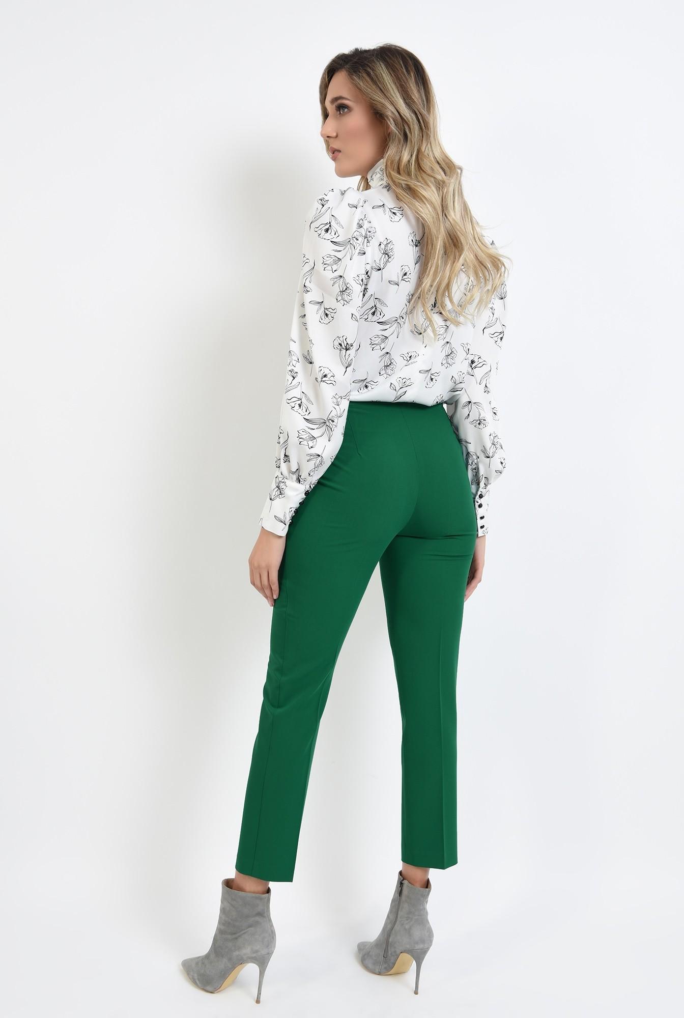 1 - pantaloni verzi, conici, cu talie medie