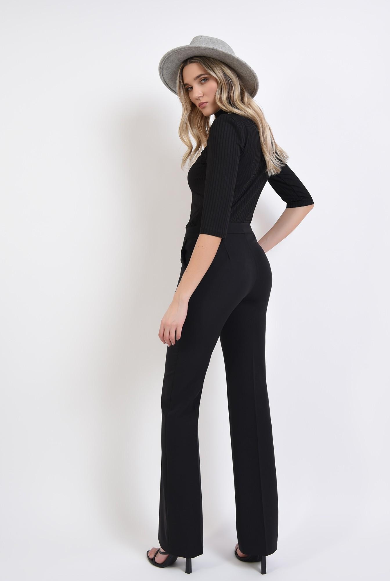 2 - pantaloni cu talie medie, cu buzunare laterale