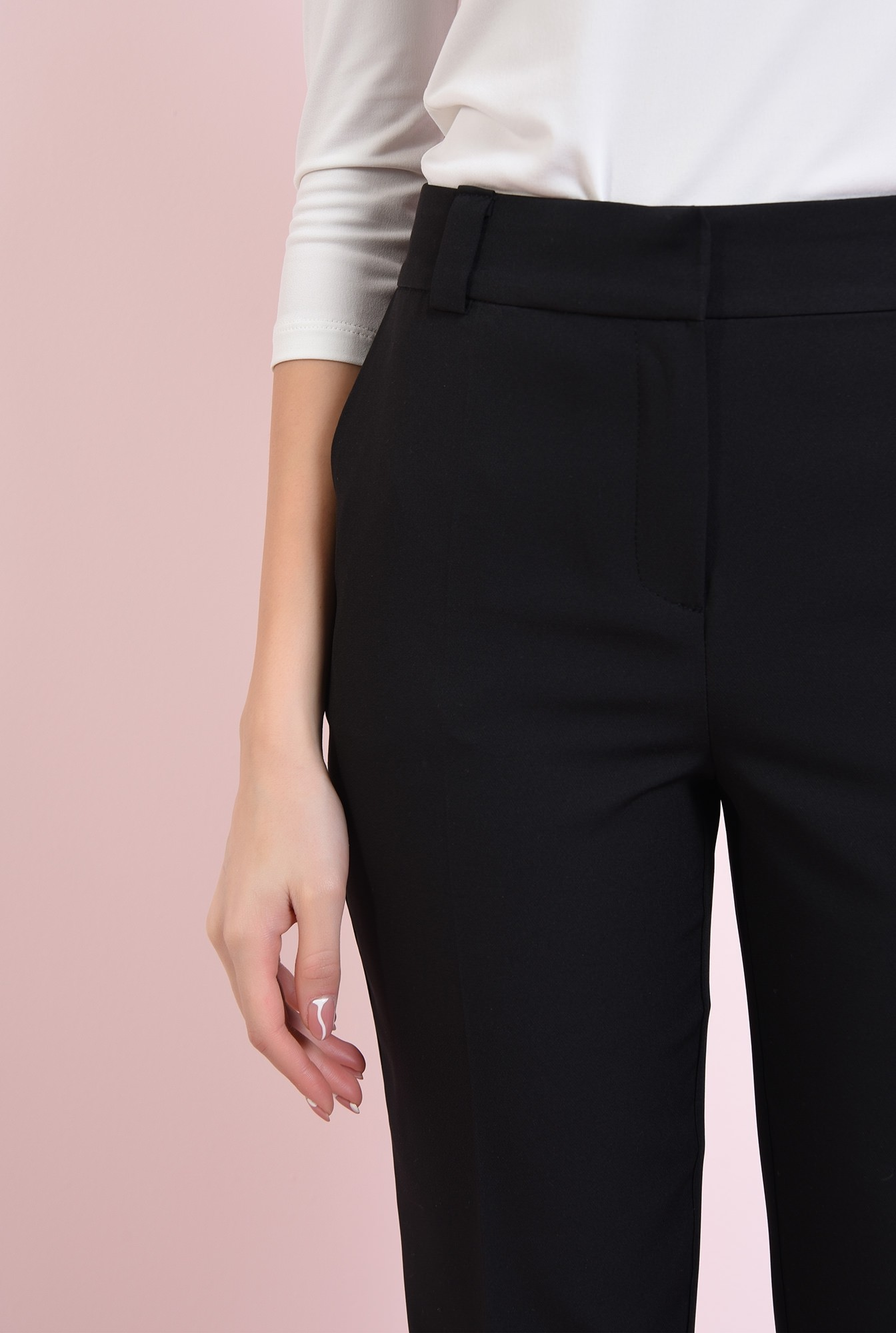 2 - pantaloni negri, cu croi conic, Poema