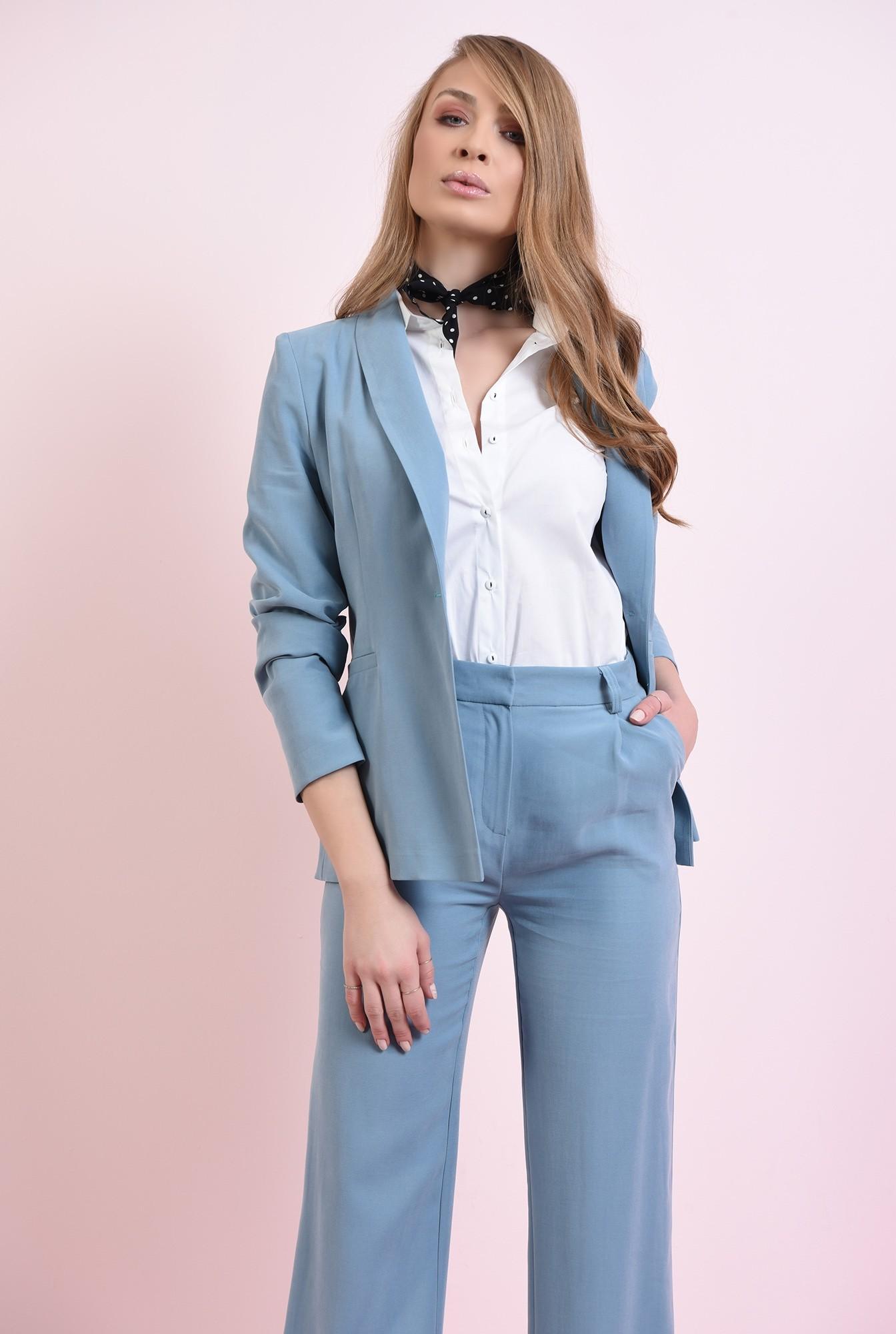 1 - pantaloni bleu, cu buzunare laterale