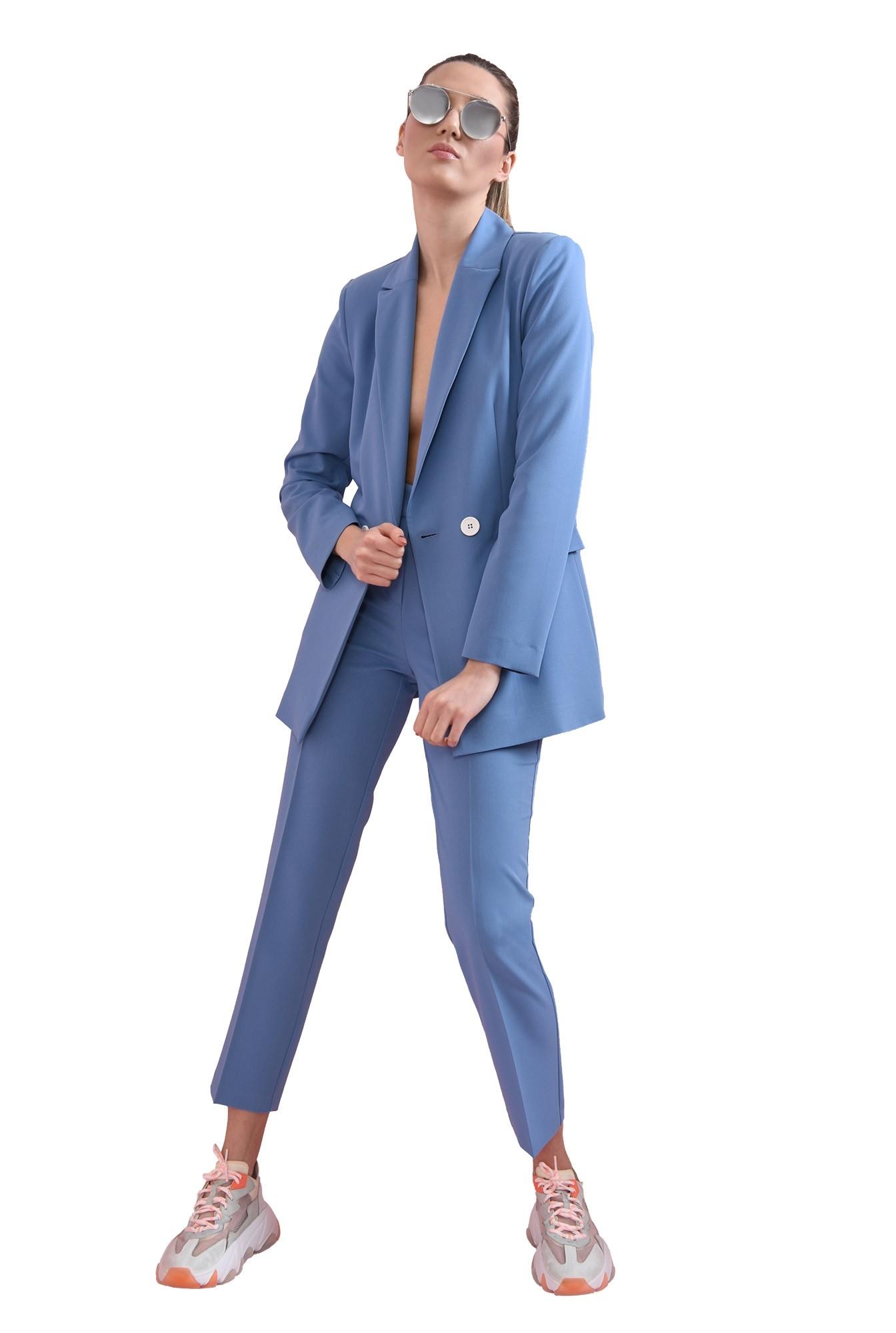 3 - pantaloni cu buzunare laterale, conici