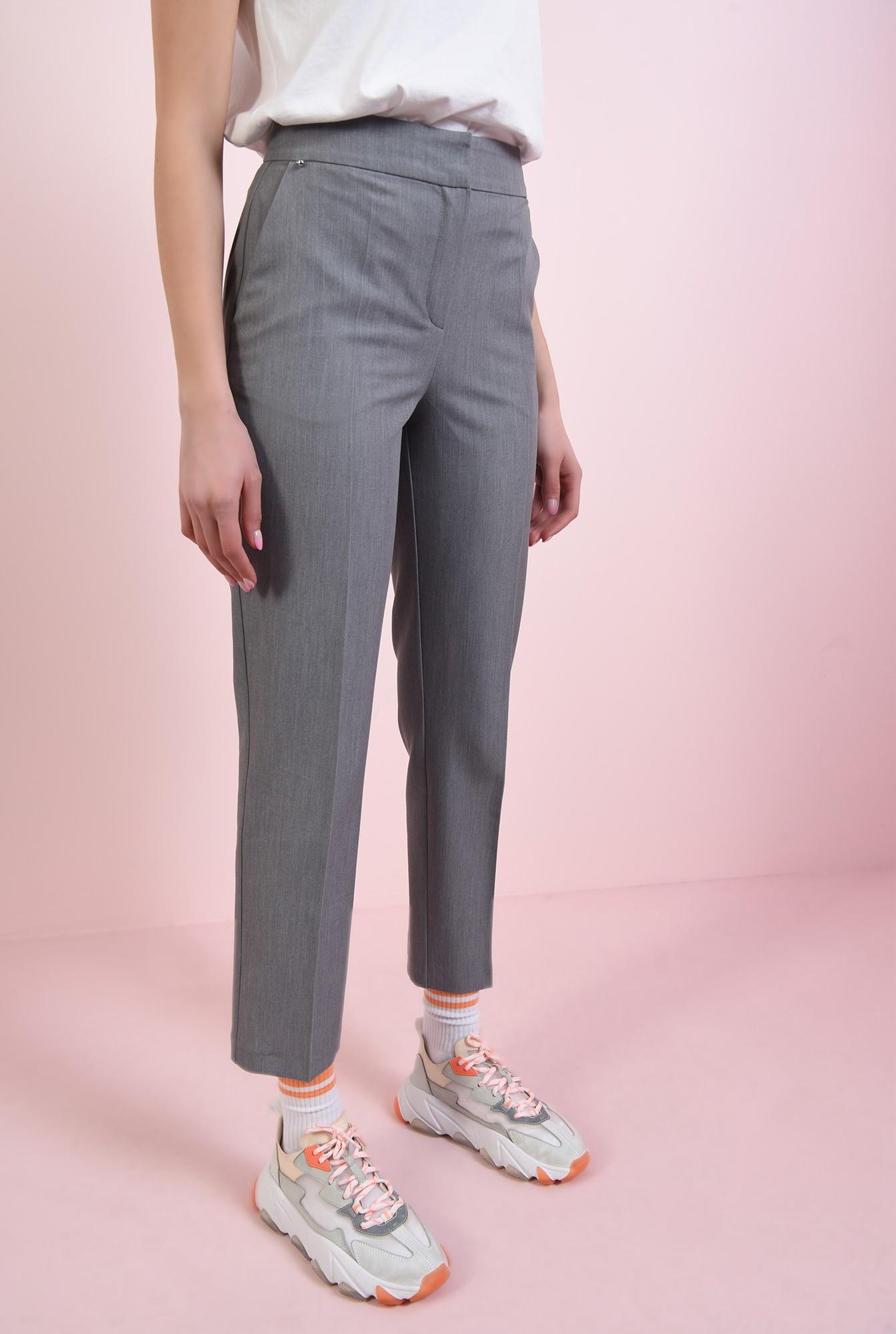 1 - pantaloni conici, gri, cu buzunare