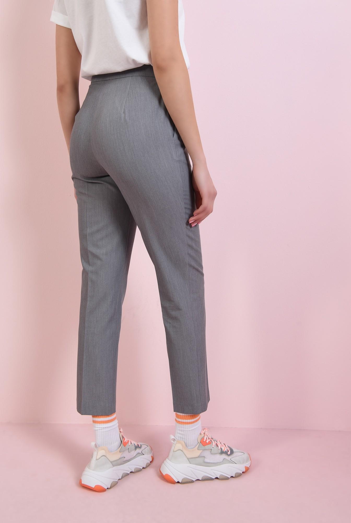 2 - pantaloni conici, gri, cu buzunare