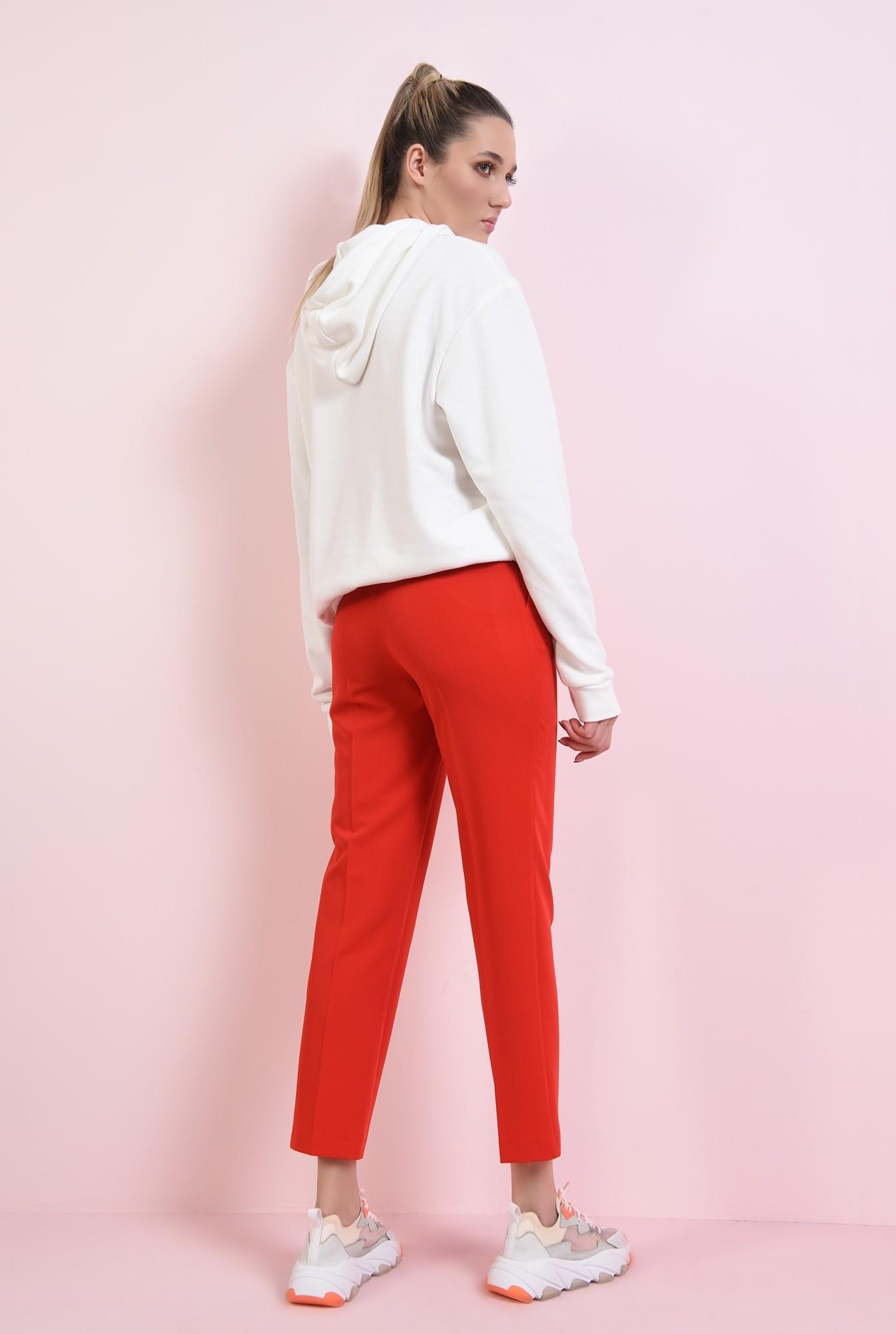 2 - pantaloni rosii, conici, cu talie medie
