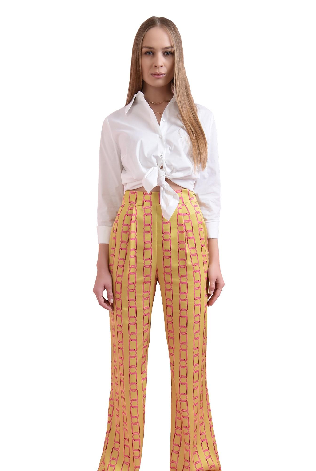 3 - 360 - pantaloni mustar, cu imprimeu lant