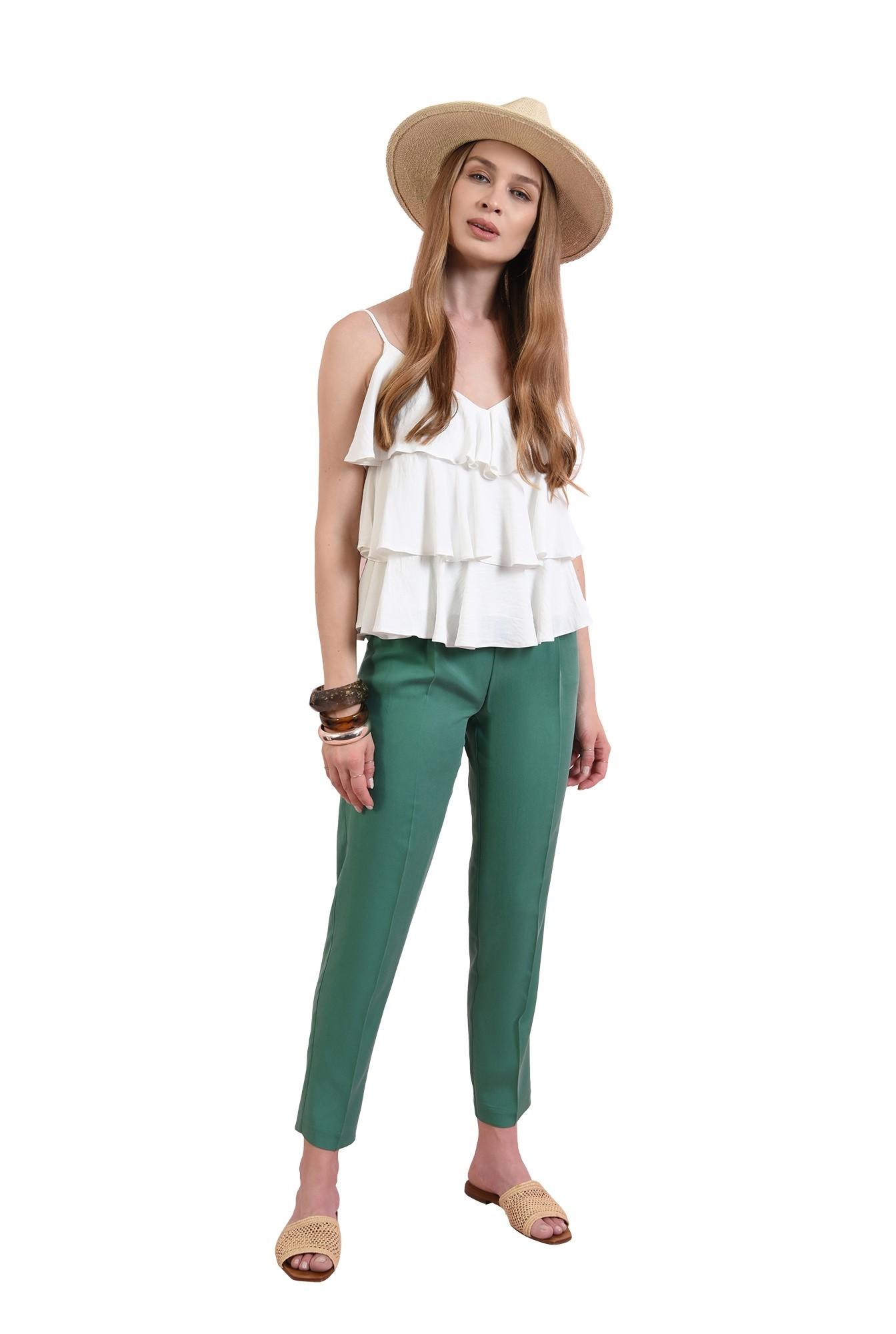 3 - pantaloni conici, cu buzunare laterale