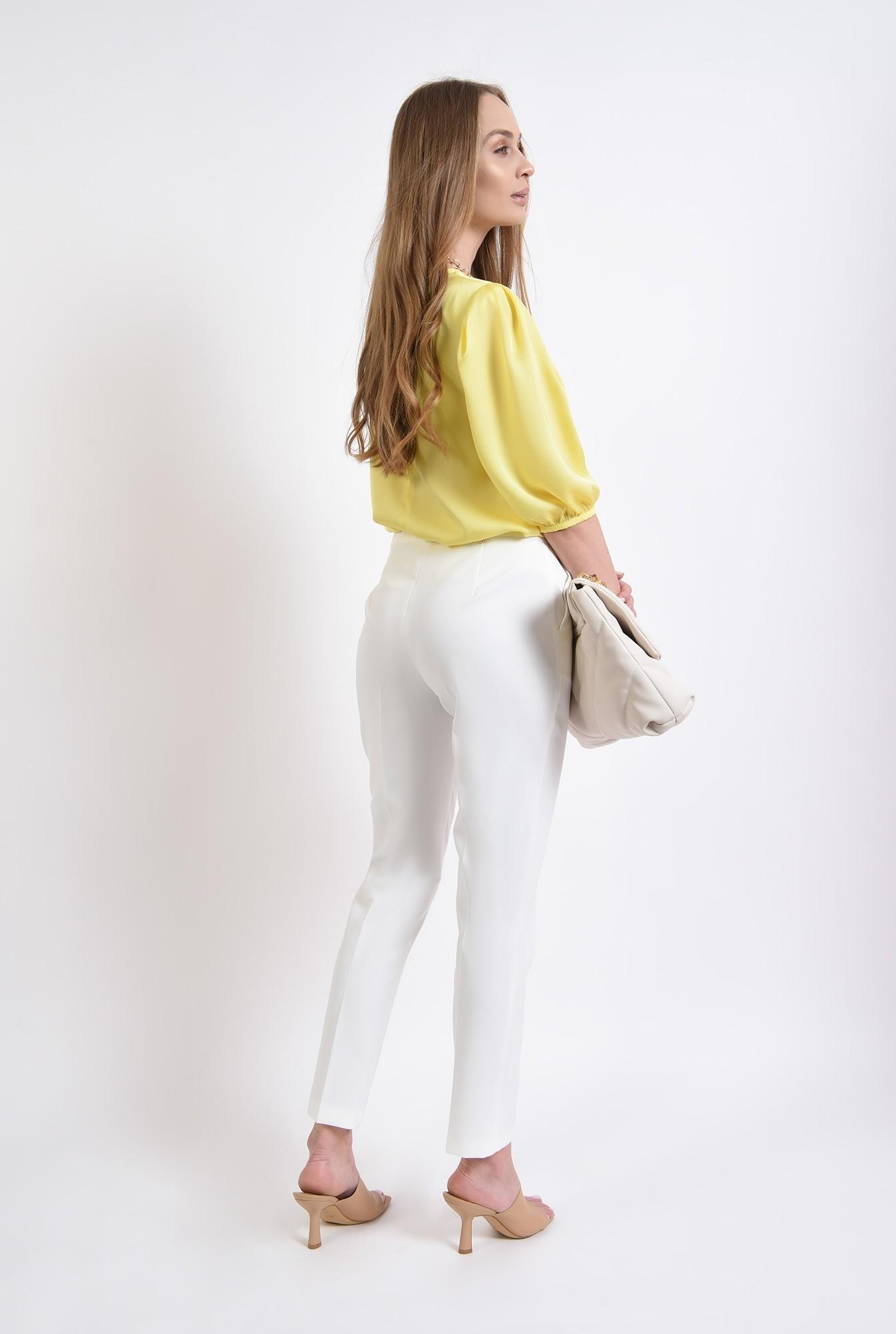 2 - pantaloni cu buzunare, cu talie medie