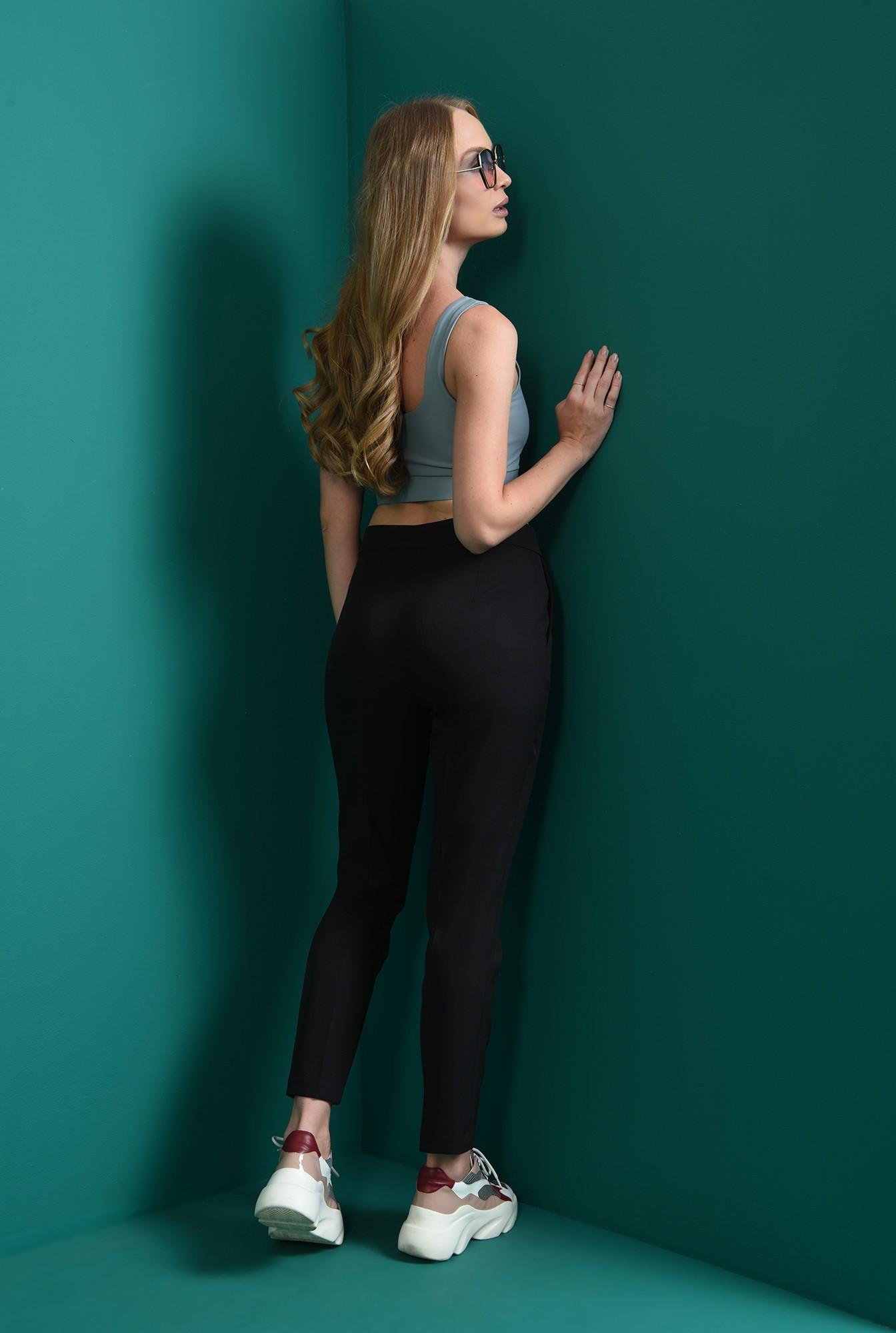 1 - pantaloni lungi, cu buzunare laterale