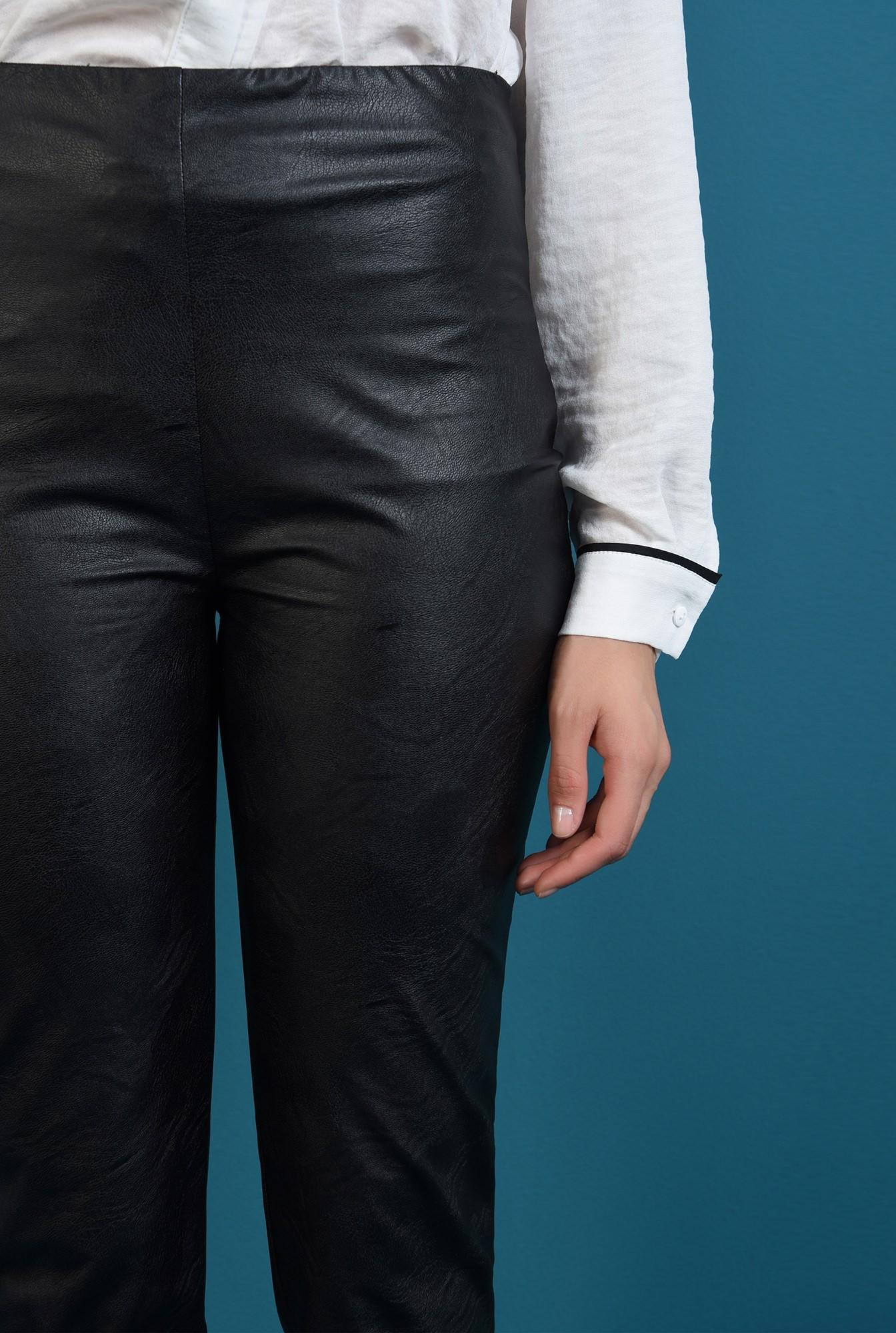 2 - pantaloni negri, cu talie medie, conici, Poema