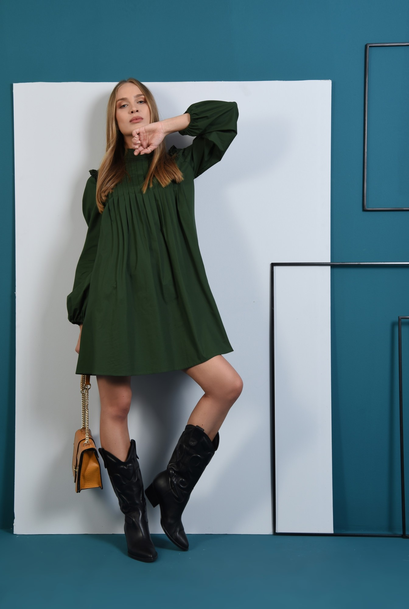 0 - 360 - rochie verde, din bumbac, cu pliuri decorative, maneci bufante