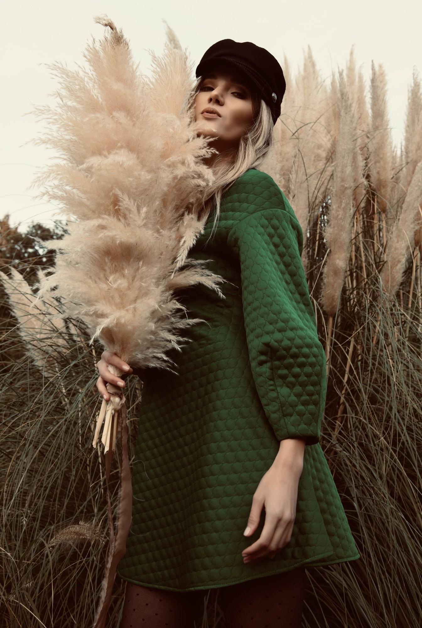 0 - rochie din material matlasat, verde, scurta, evazata