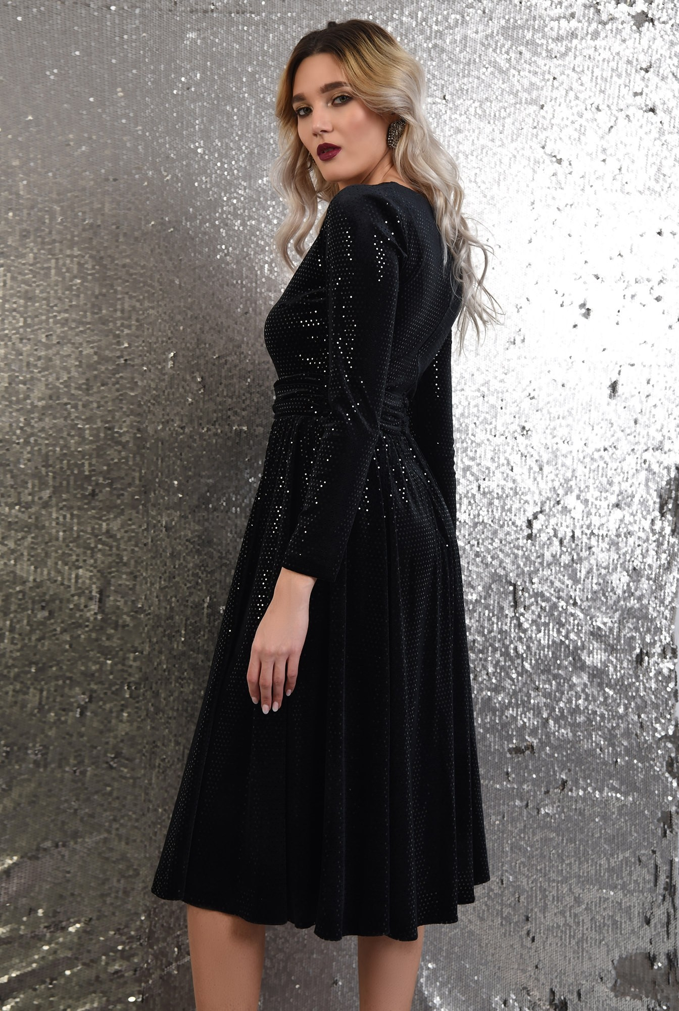 1 - 360 - rochie de ocazie, neagra, midi, evazata, anchior, paiete buline