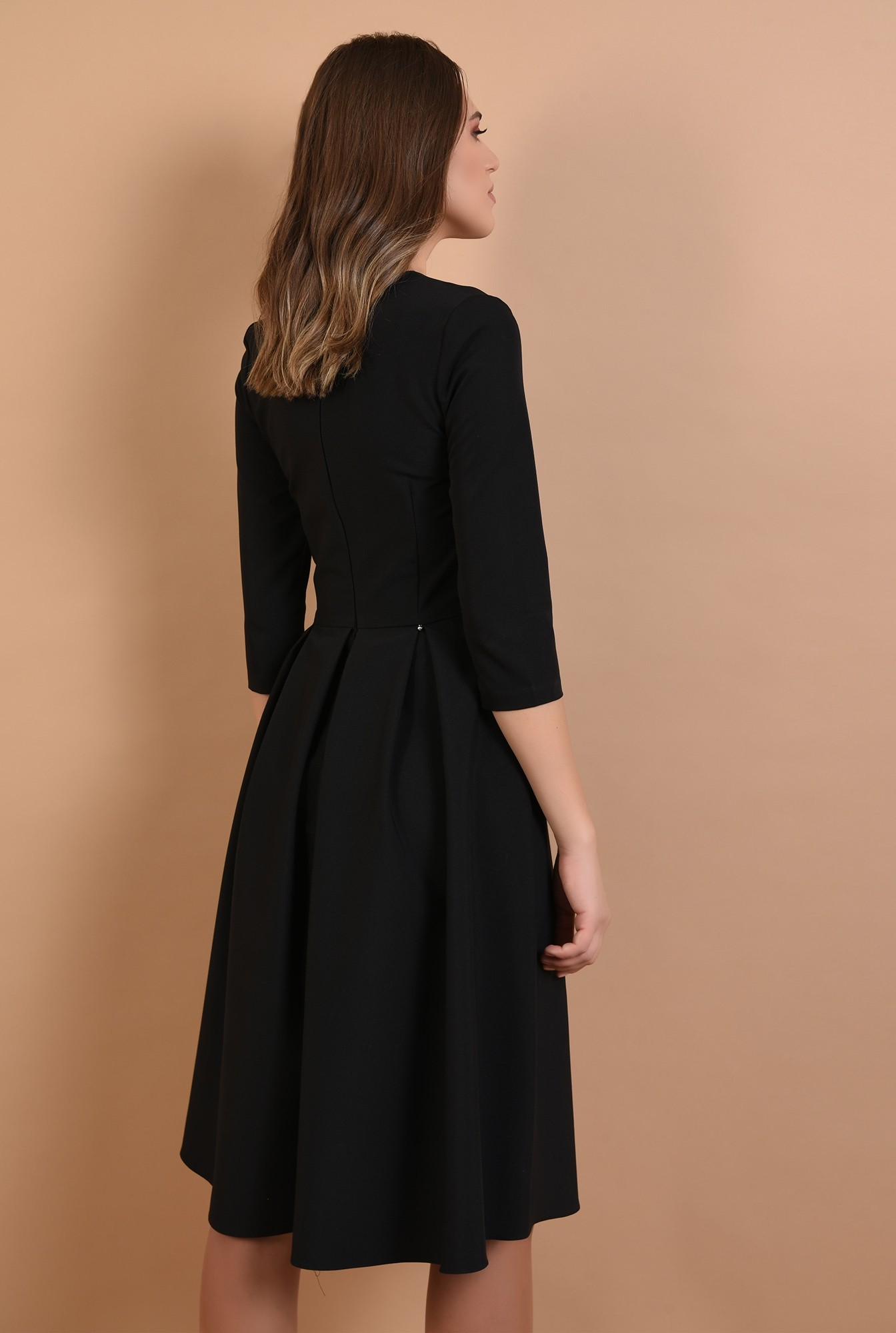 1 - rochie midi, evazata, neagra, cu decolteu acolada, cu pliuri