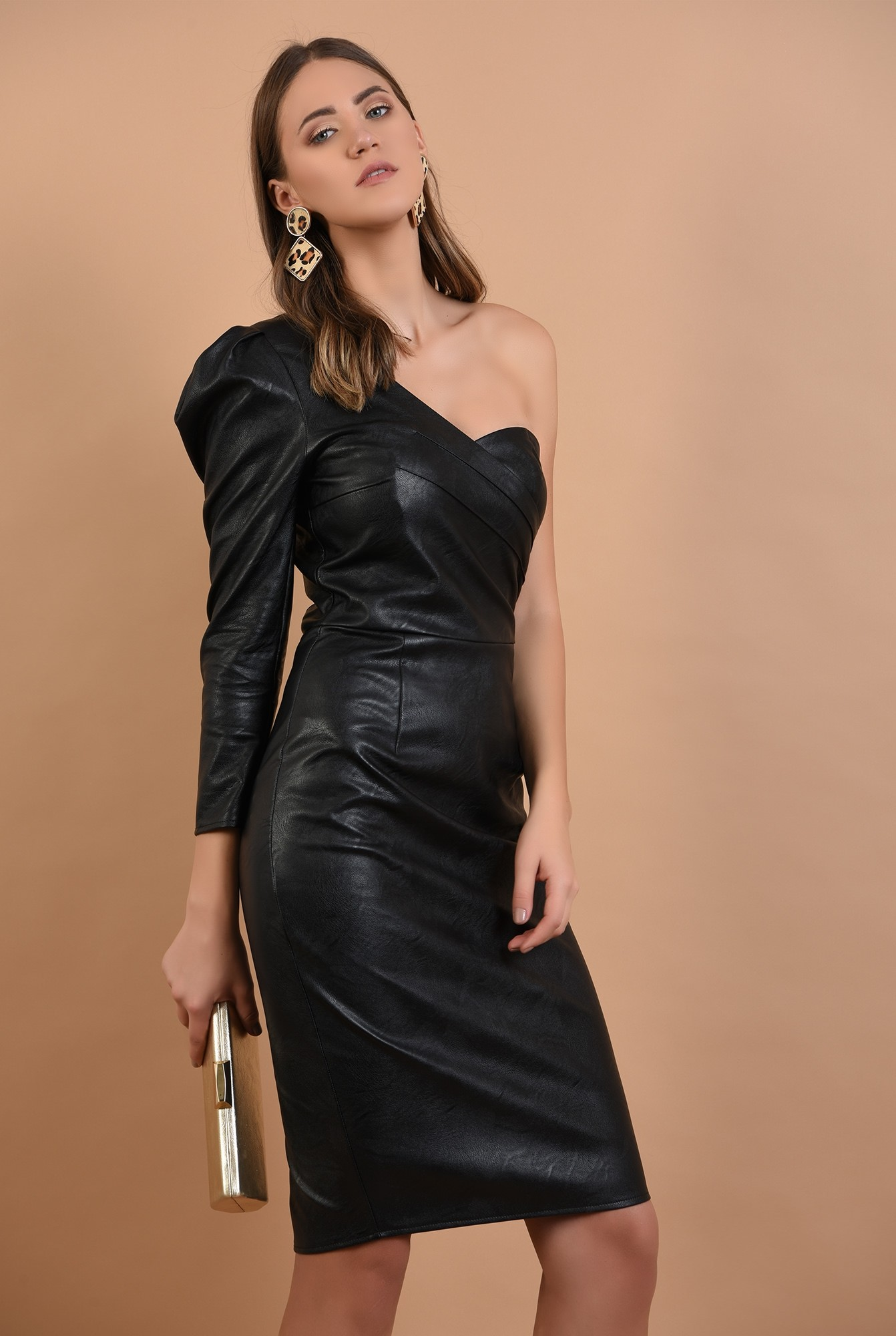0 - rochie eleganta, piele neagra, maneca drapata, umar gol