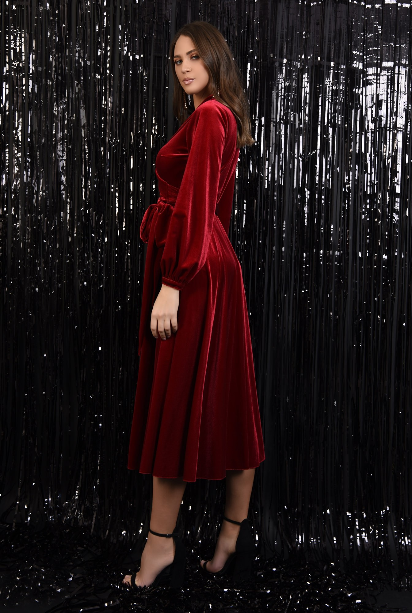 1 - rochie de ocazie, croi evazat petrecut, inchidere cu cordon, revere