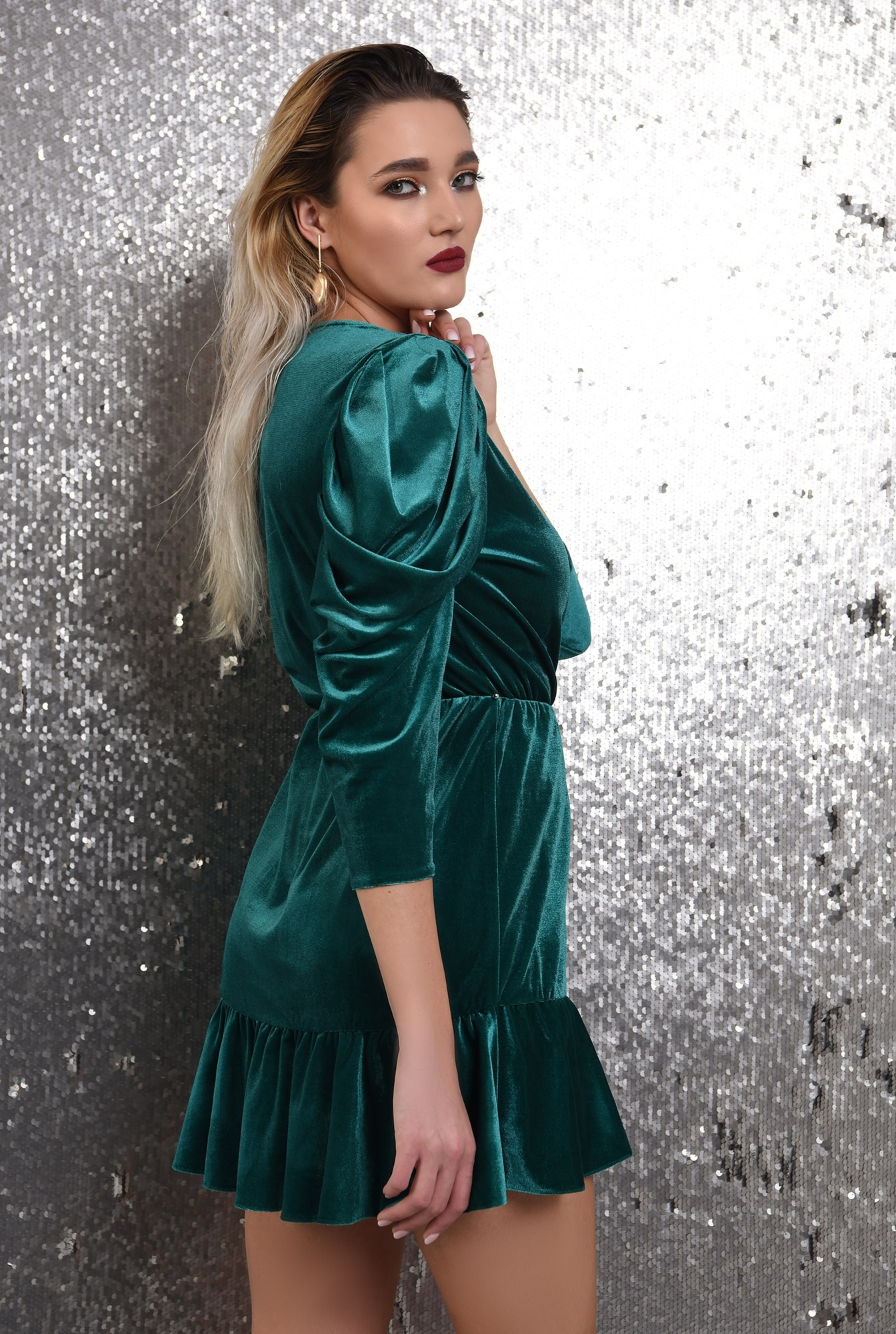 1 - rochie de ocazie, din catifea, verde, mini, cu volan