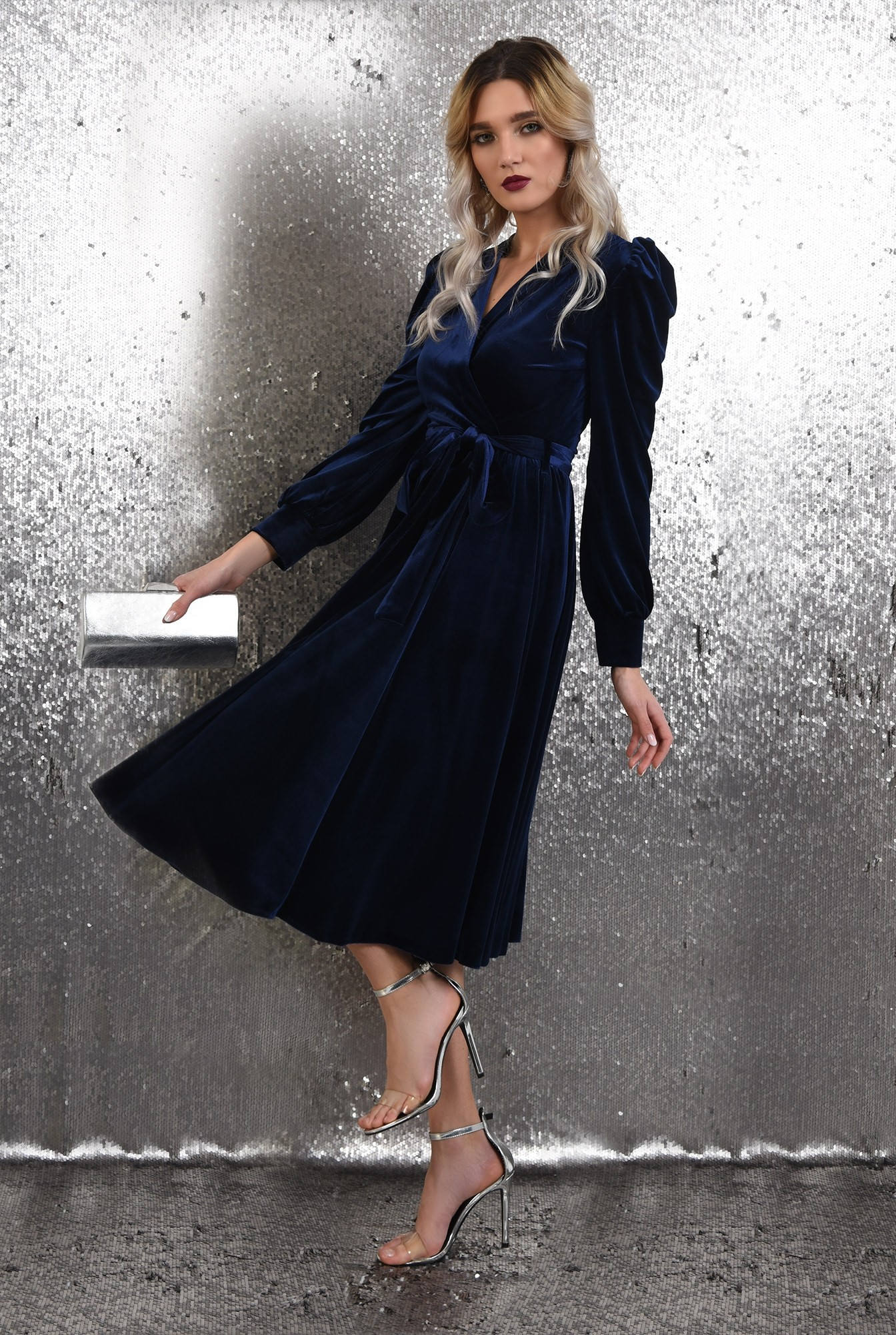 0 - rochie eleganta, midi, evazata, cu cordon, maneci lungi