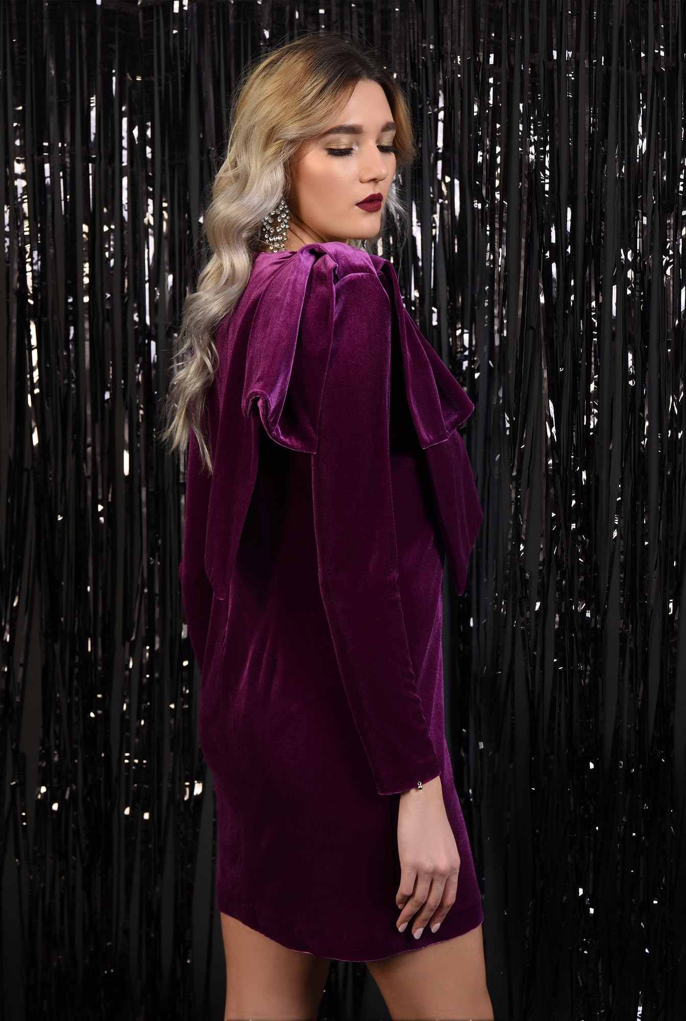 1 - rochie eleganta, din catifea, dreapta, funda la umar
