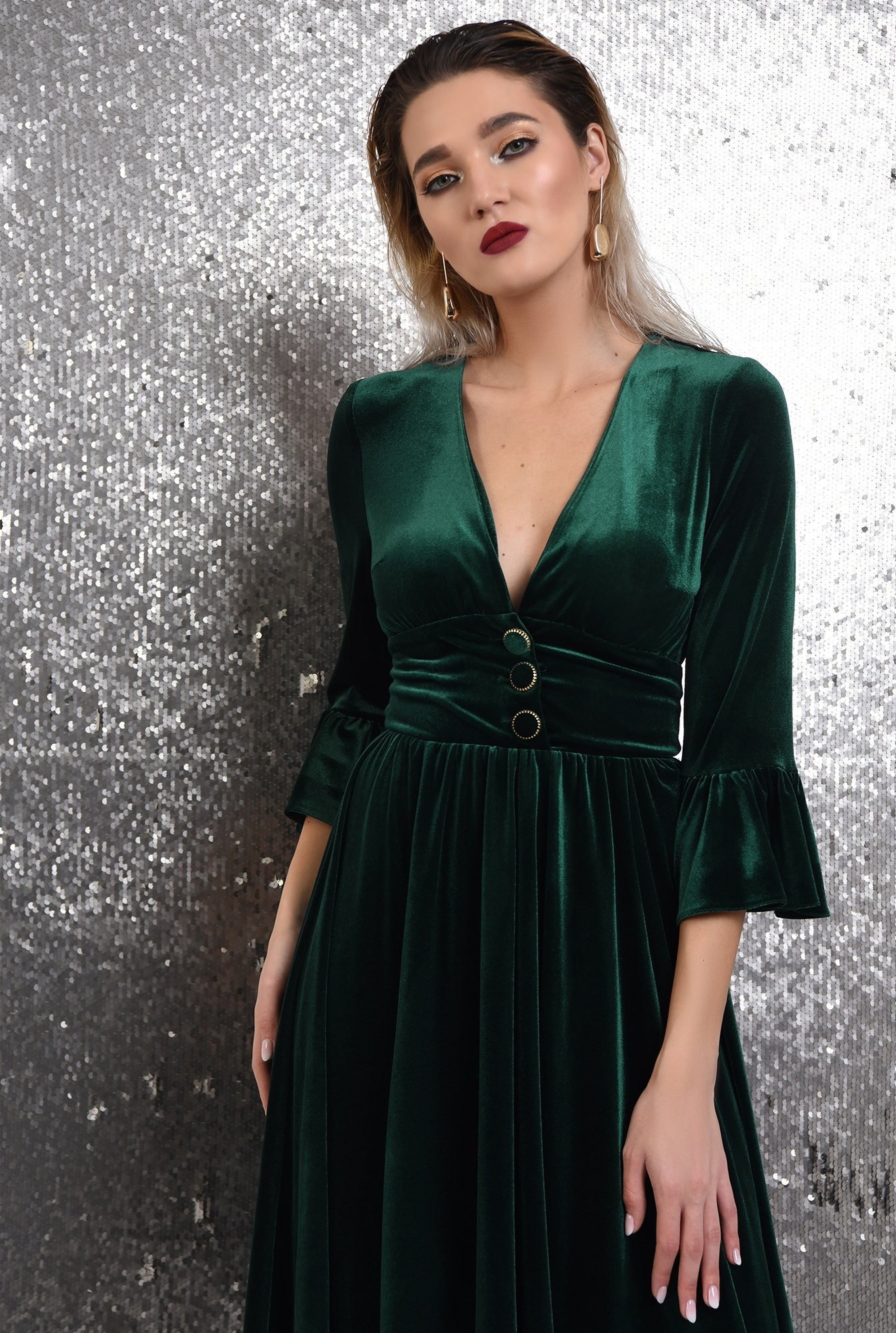 2 -  360 - rochie verde, midi, clos, catifea, maneci peplum, Poema