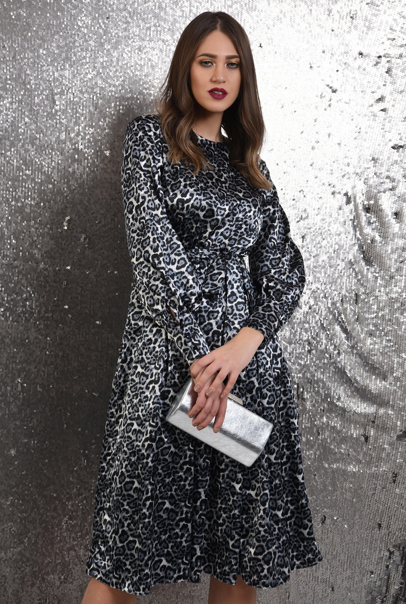 0 - rochie eleganta, din satin, animal print, nasturi la spate, evazata
