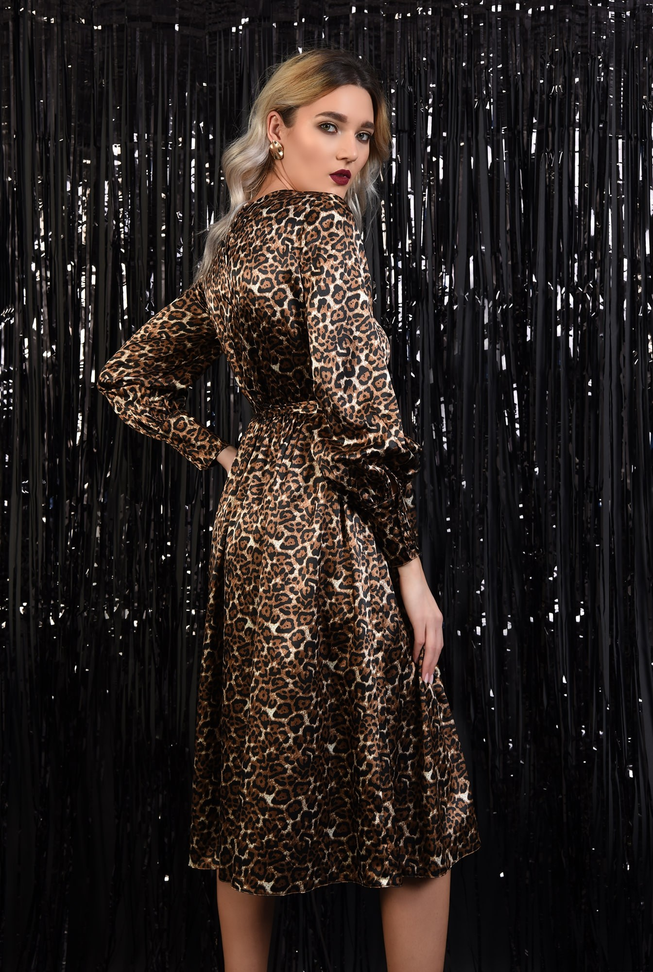 1 - 360 - rochie eleganta, din satin, animal print, nasturi la spate, evazata