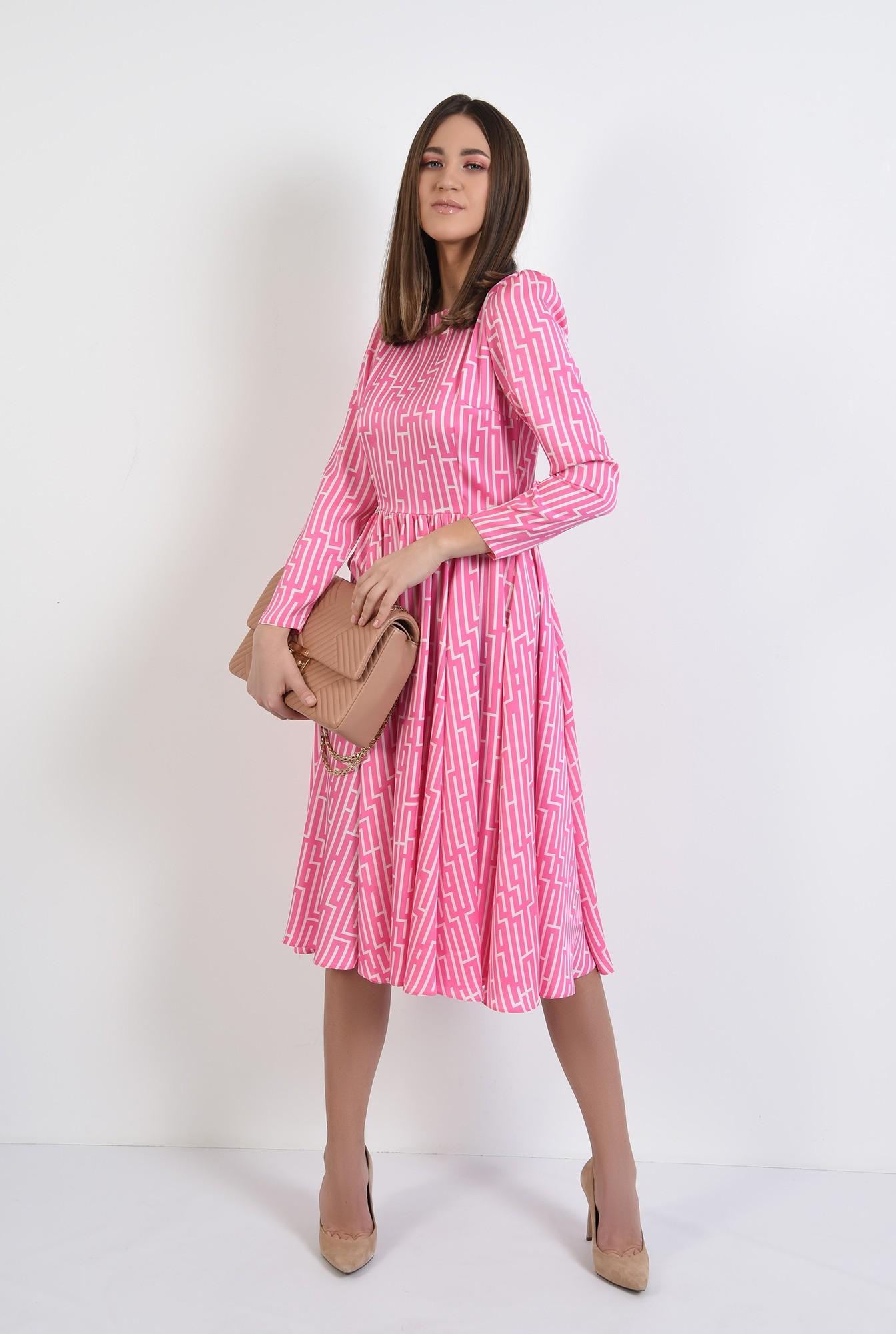 3 - rochie midi, evazata, cu motive geometrice, maneci lungi, roz
