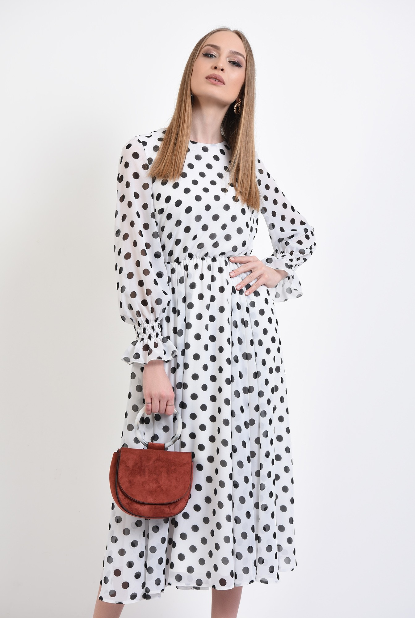 0 - 360 - rochie lunga, clos, cu buline, alb-negru, mansete volan, Poema