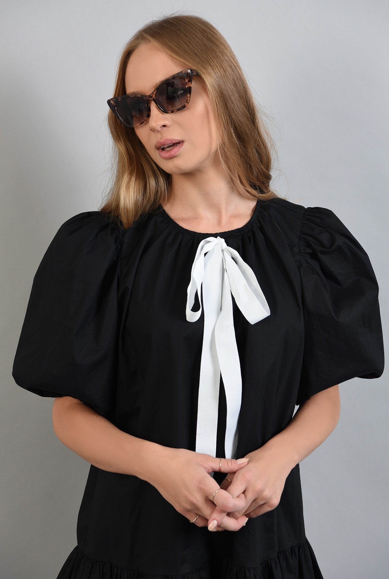2 - 360 - rochie neagra, cu maneci bufante si volan, Poema
