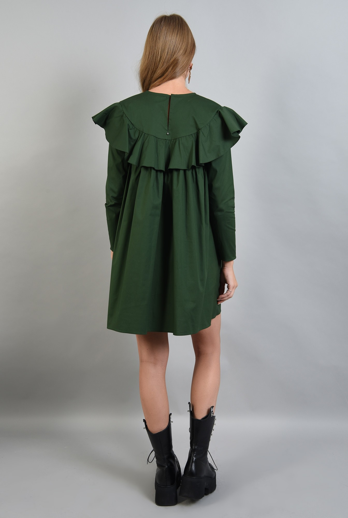 1 - rochie verde, dreapta, cu volan, Poema