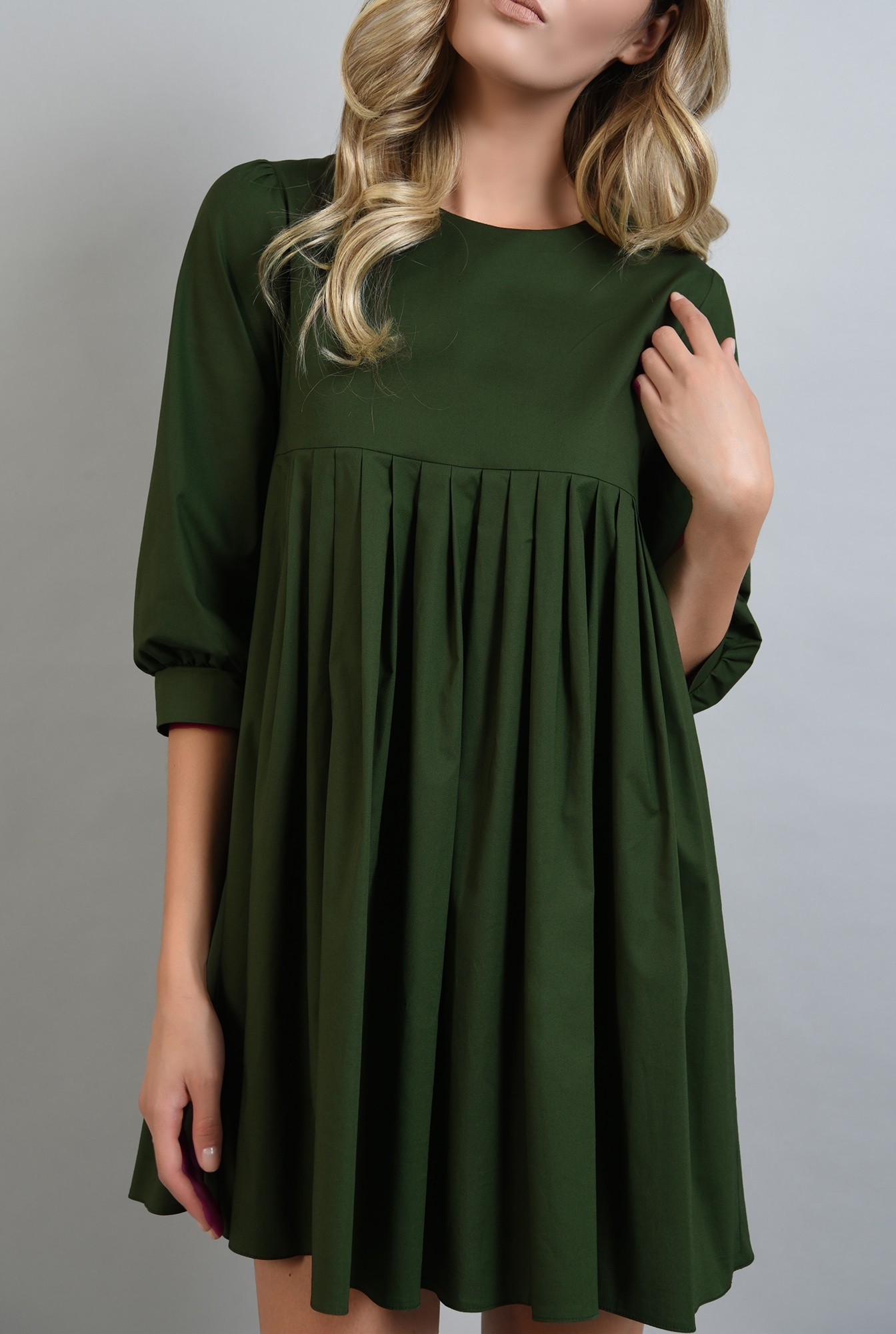 2 - rochie verde scurta, cu pliuri, Poema