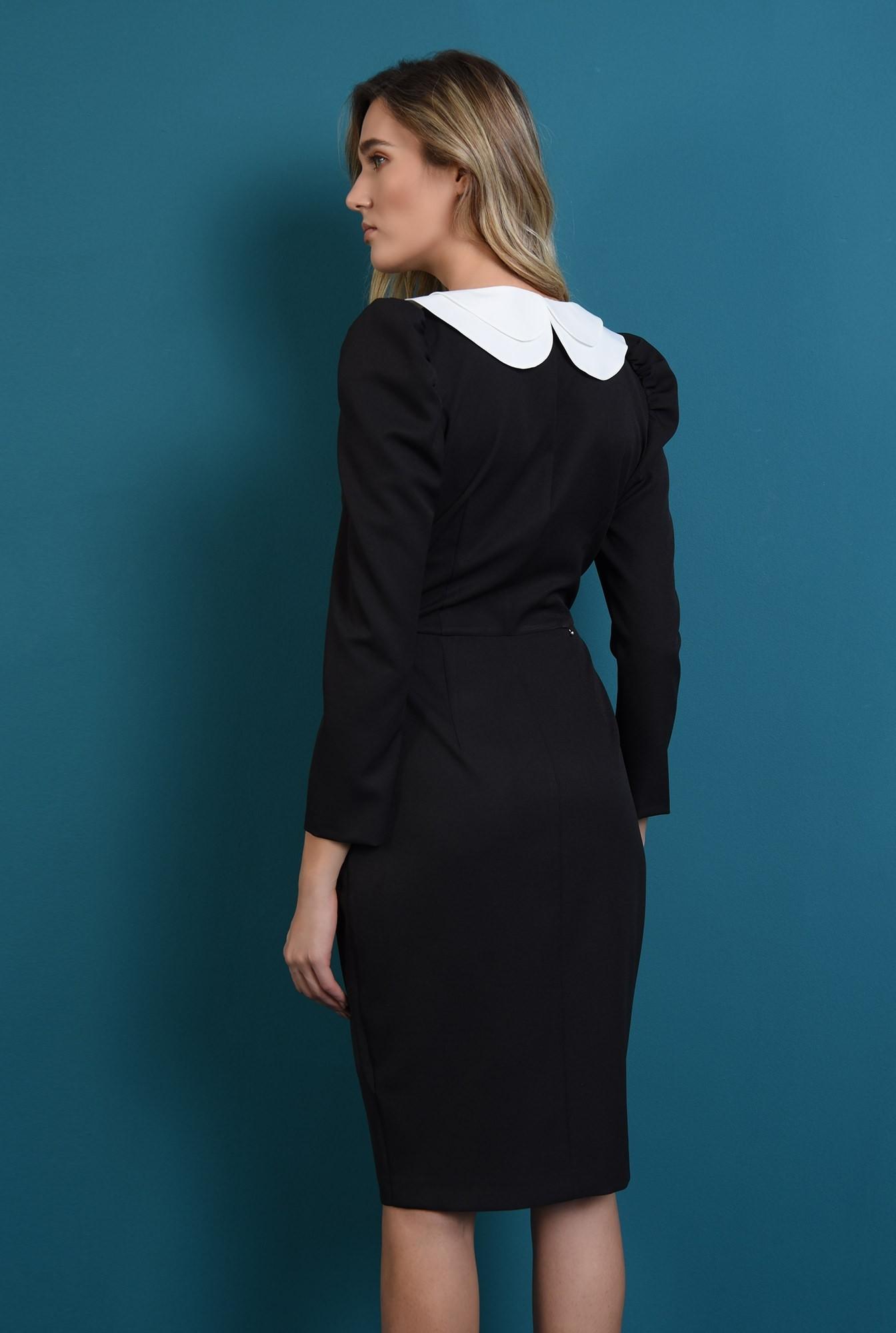 1 - rochie neagra, cu guler detasabil, cu umeri accentuati