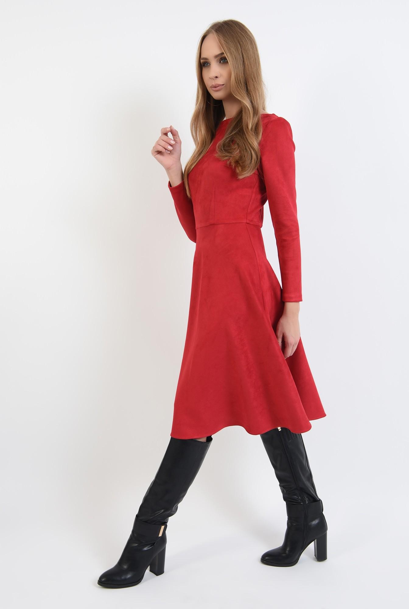2 - rochie rosie, cu nasturi metalici la spate, evazata
