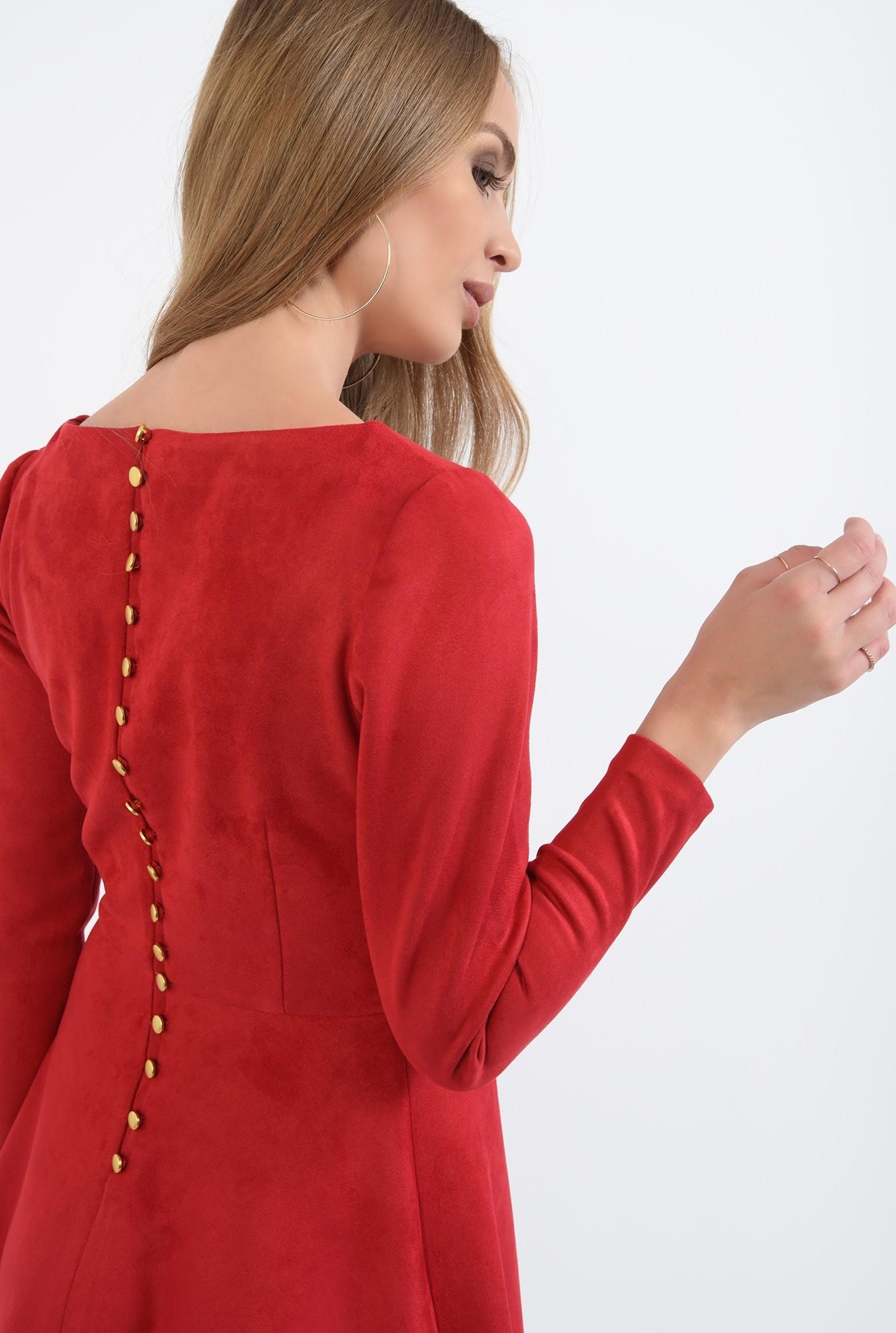 1 - rochie rosie, cu nasturi metalici la spate, evazata