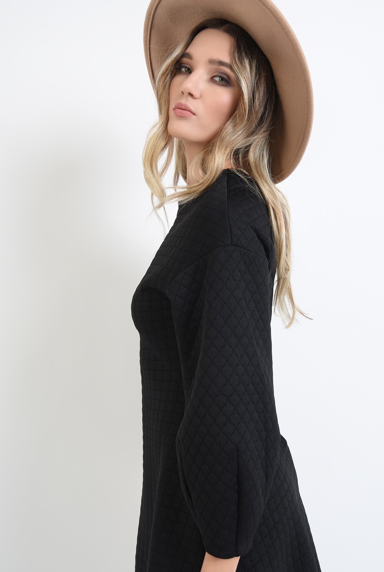 2 - rochie mini, neagra, cu maneci bufante, Poema
